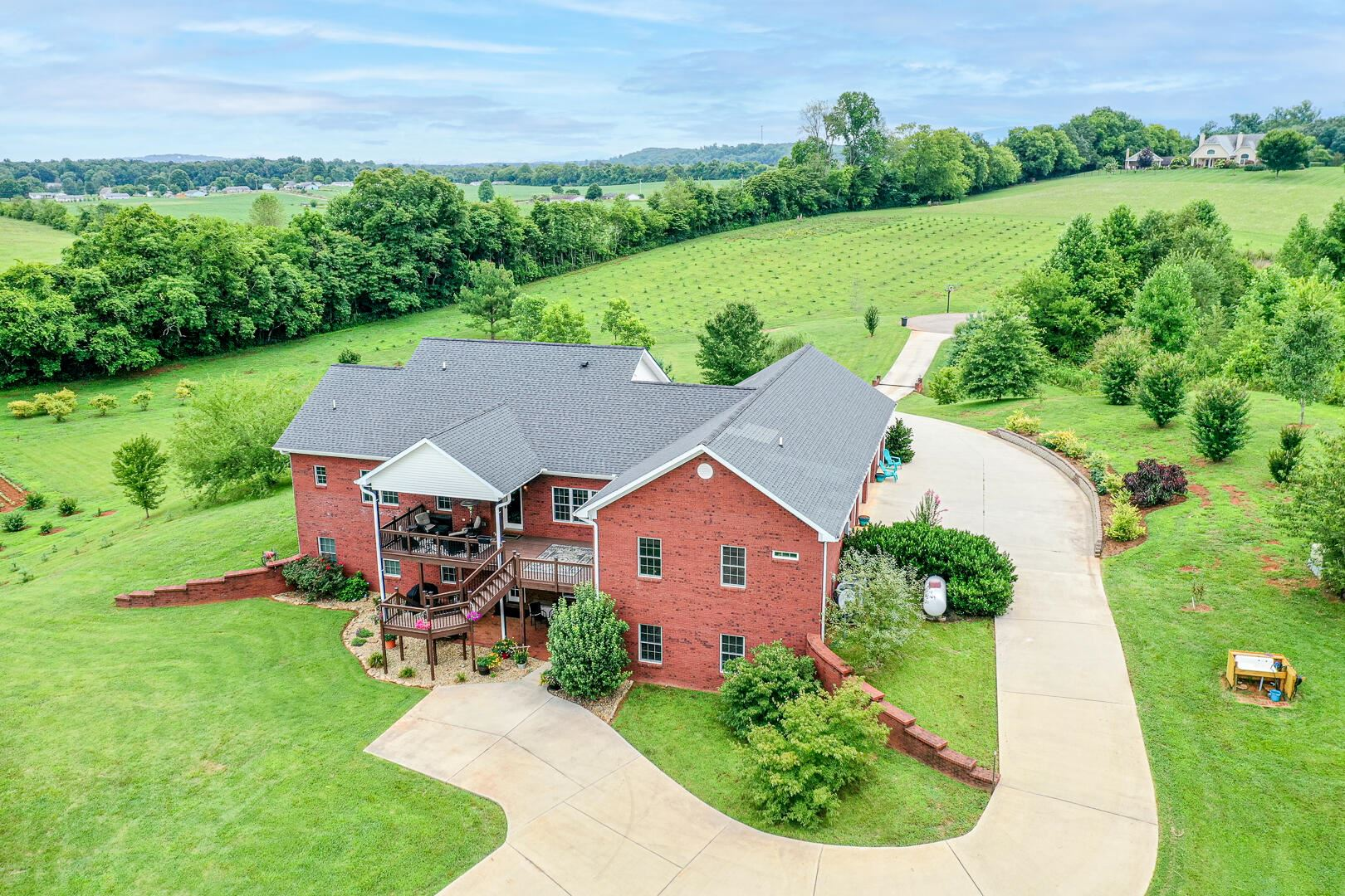 Photo of 1866 Spencer Drive, Maryville, TN 37801 (MLS # 1161255)