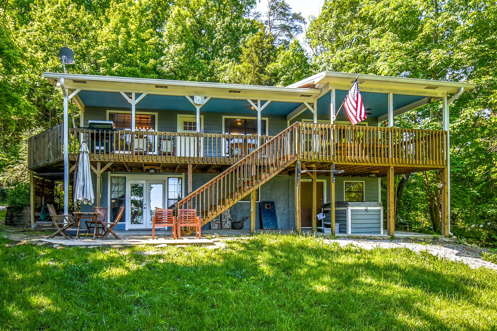 Photo for 2115 Muddy Creek Rd, Dandridge, TN 37725 (MLS # 1116257)