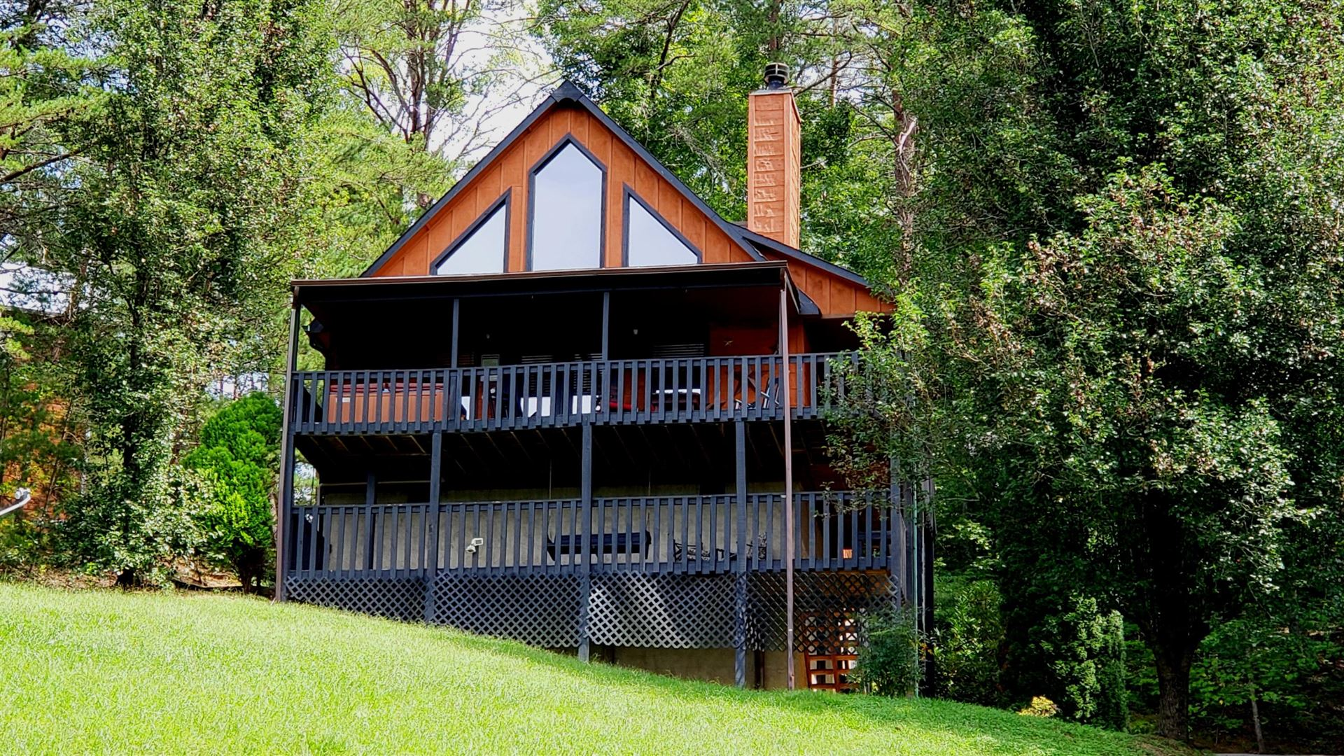 Photo of 2439 Burke Ave, Sevierville, TN 37876 (MLS # 1166259)