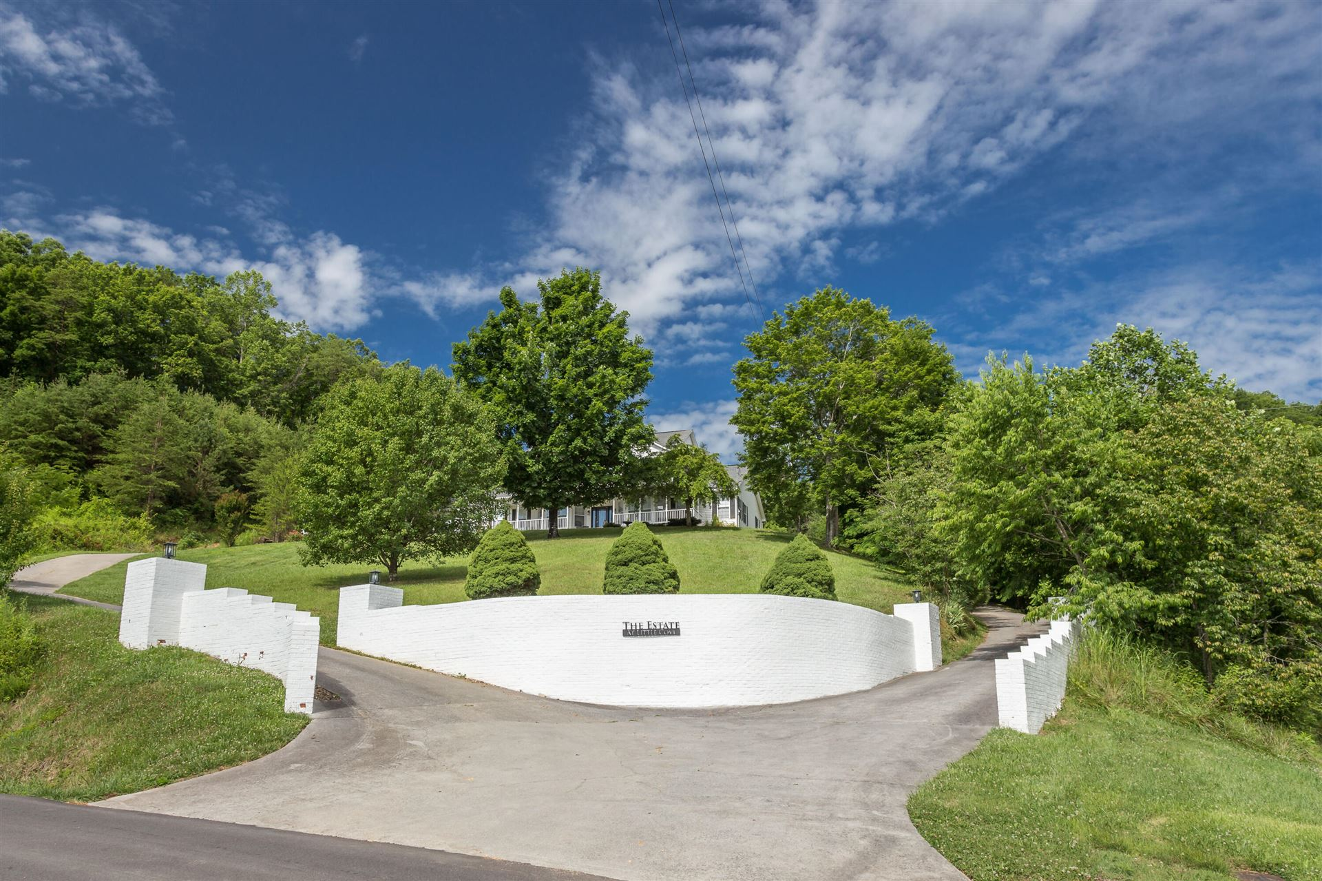 Photo of 1650 Little Cove Rd, Sevierville, TN 37862 (MLS # 1162268)