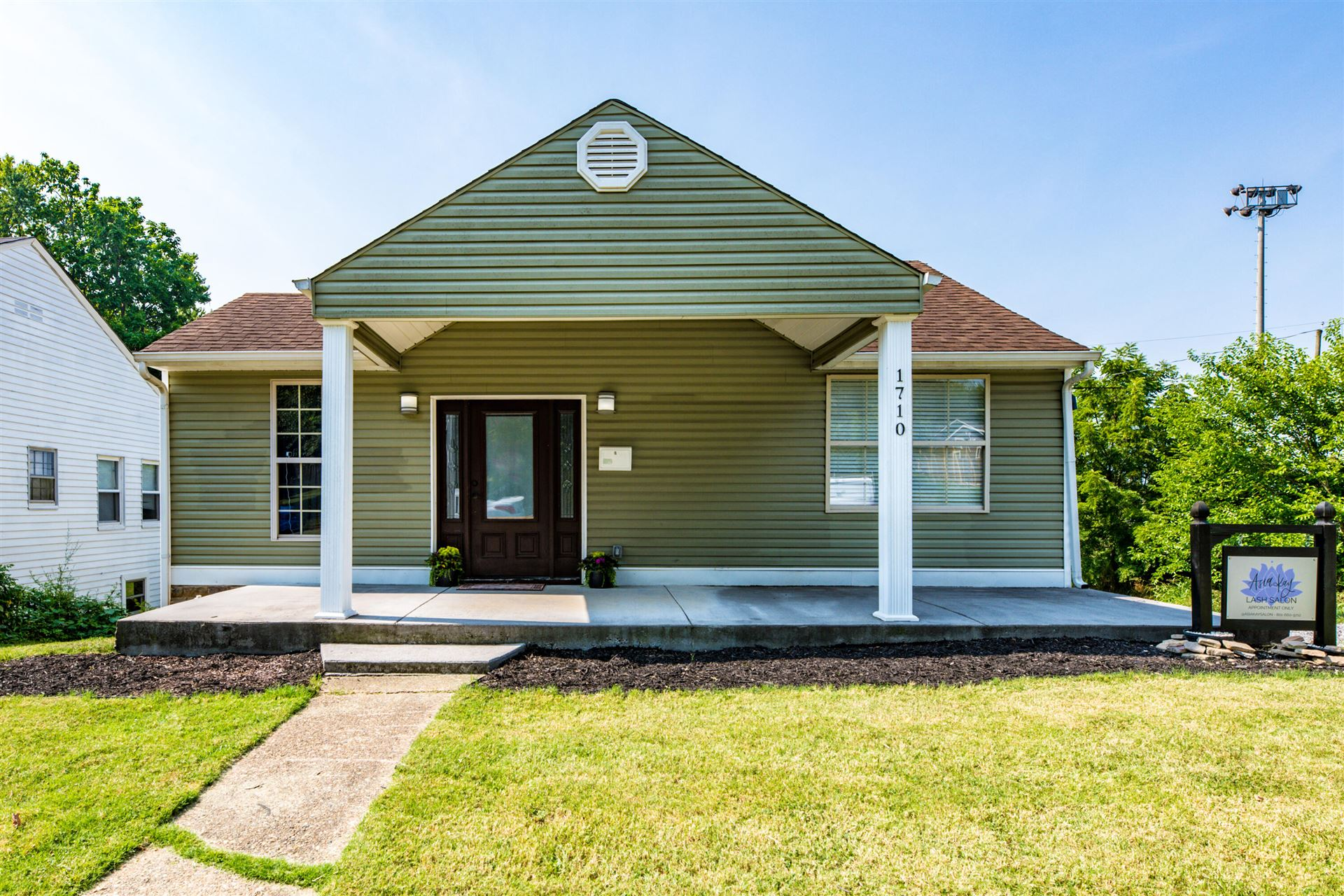 Photo of 1710 Woodbine Ave, Knoxville, TN 37917 (MLS # 1162306)