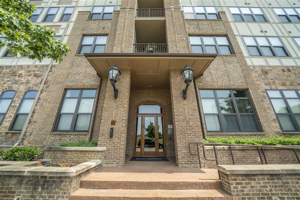 Photo for 445 W Blount Ave #Apt 421, Knoxville, TN 37920 (MLS # 1097312)