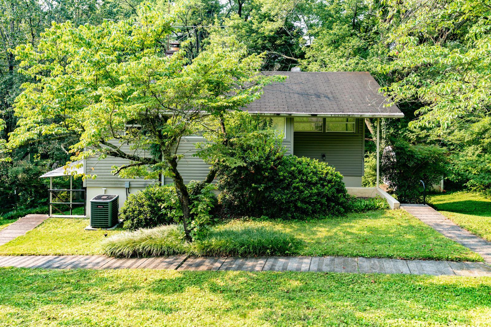 Photo of 723 Florida Ave, Oak Ridge, TN 37830 (MLS # 1161312)