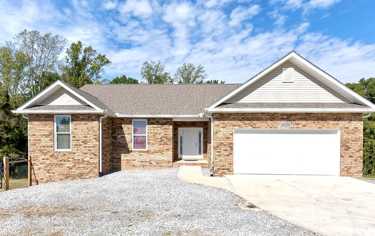 Photo of 4597 Kingston Hwy, Lenoir City, TN 37771 (MLS # 1133329)