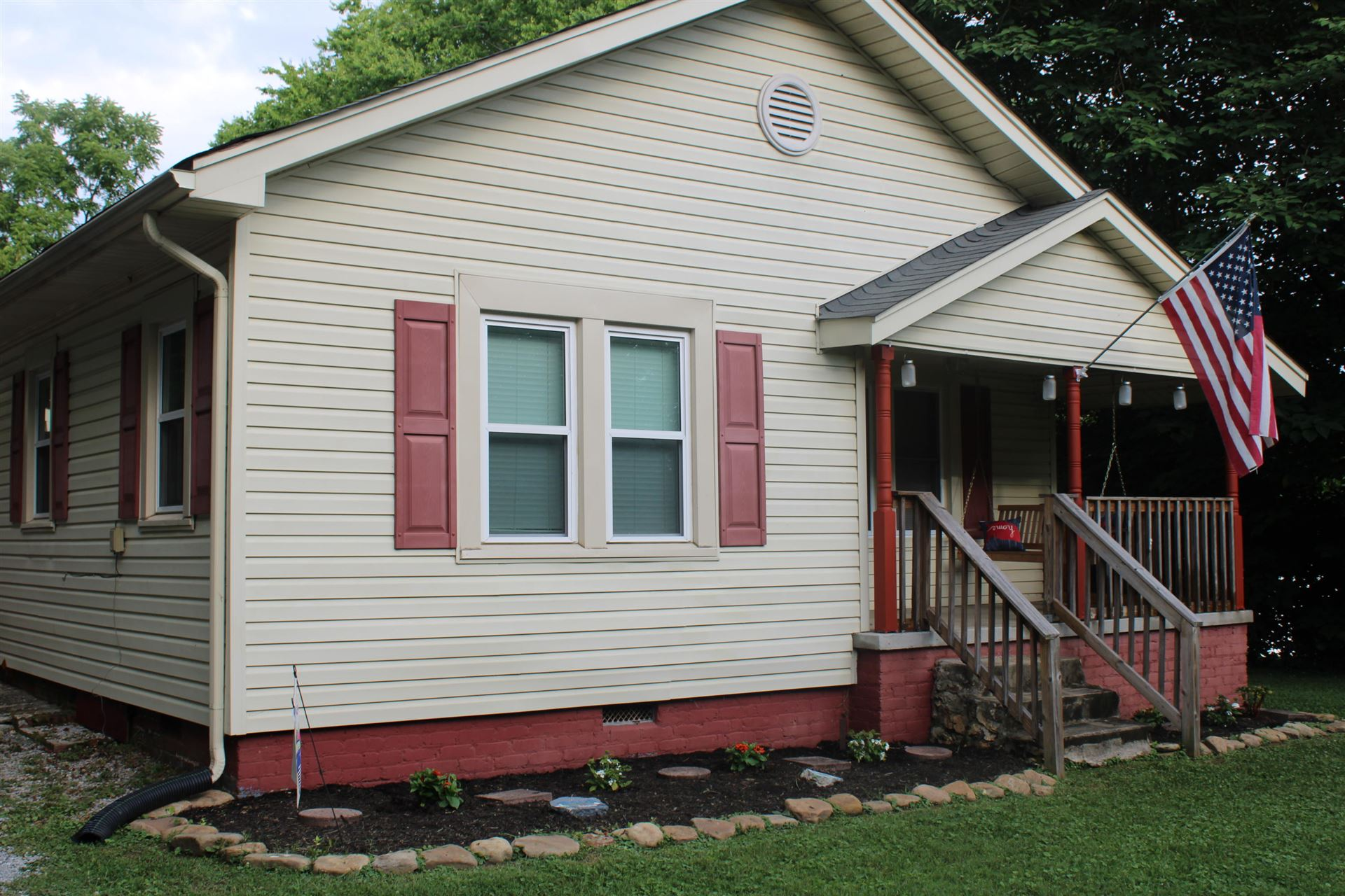 Photo of 110 Flanagan Lane, Lenoir City, TN 37771 (MLS # 1160340)
