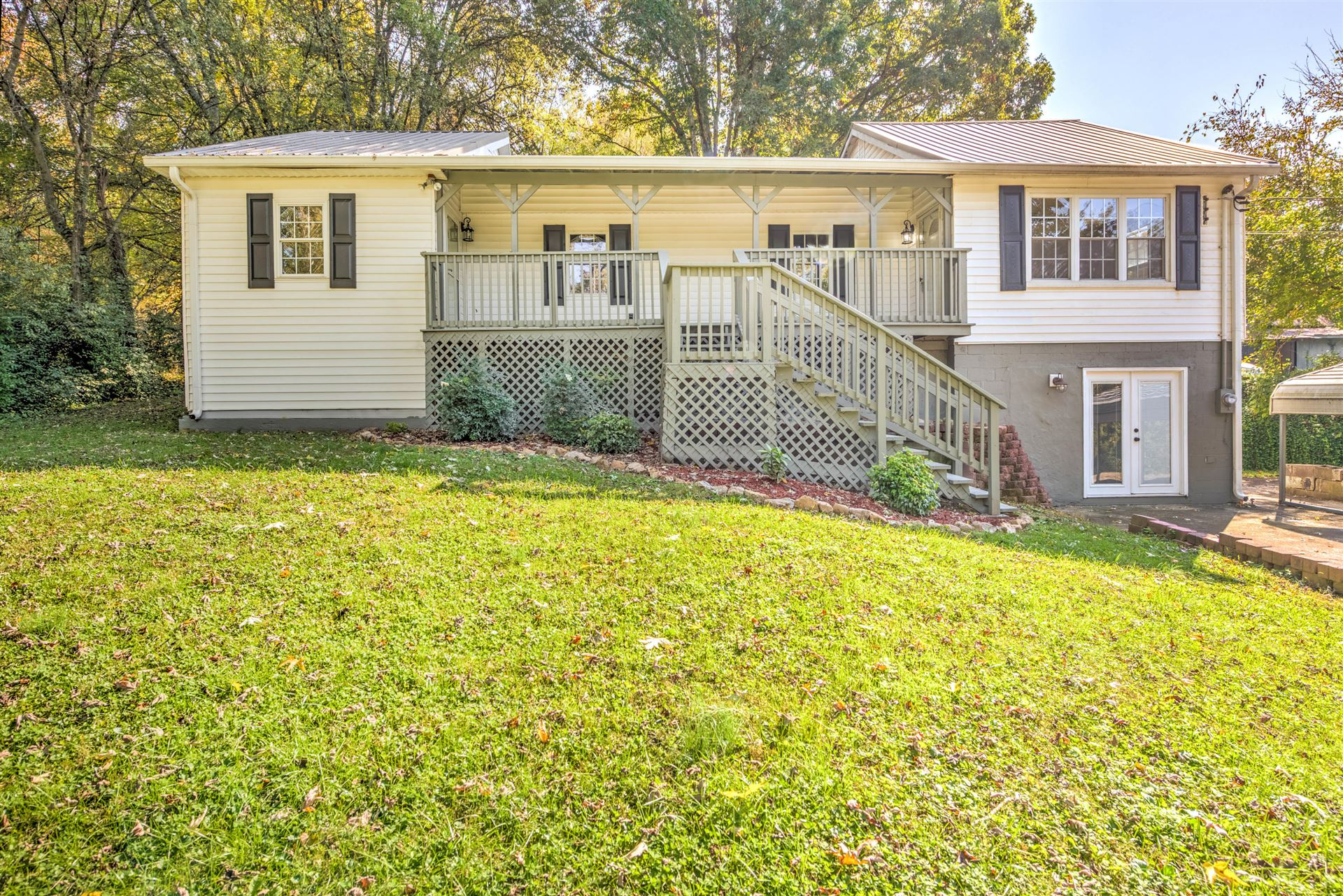 Photo of 6000 Darby Drive, Knoxville, TN 37924 (MLS # 1133353)