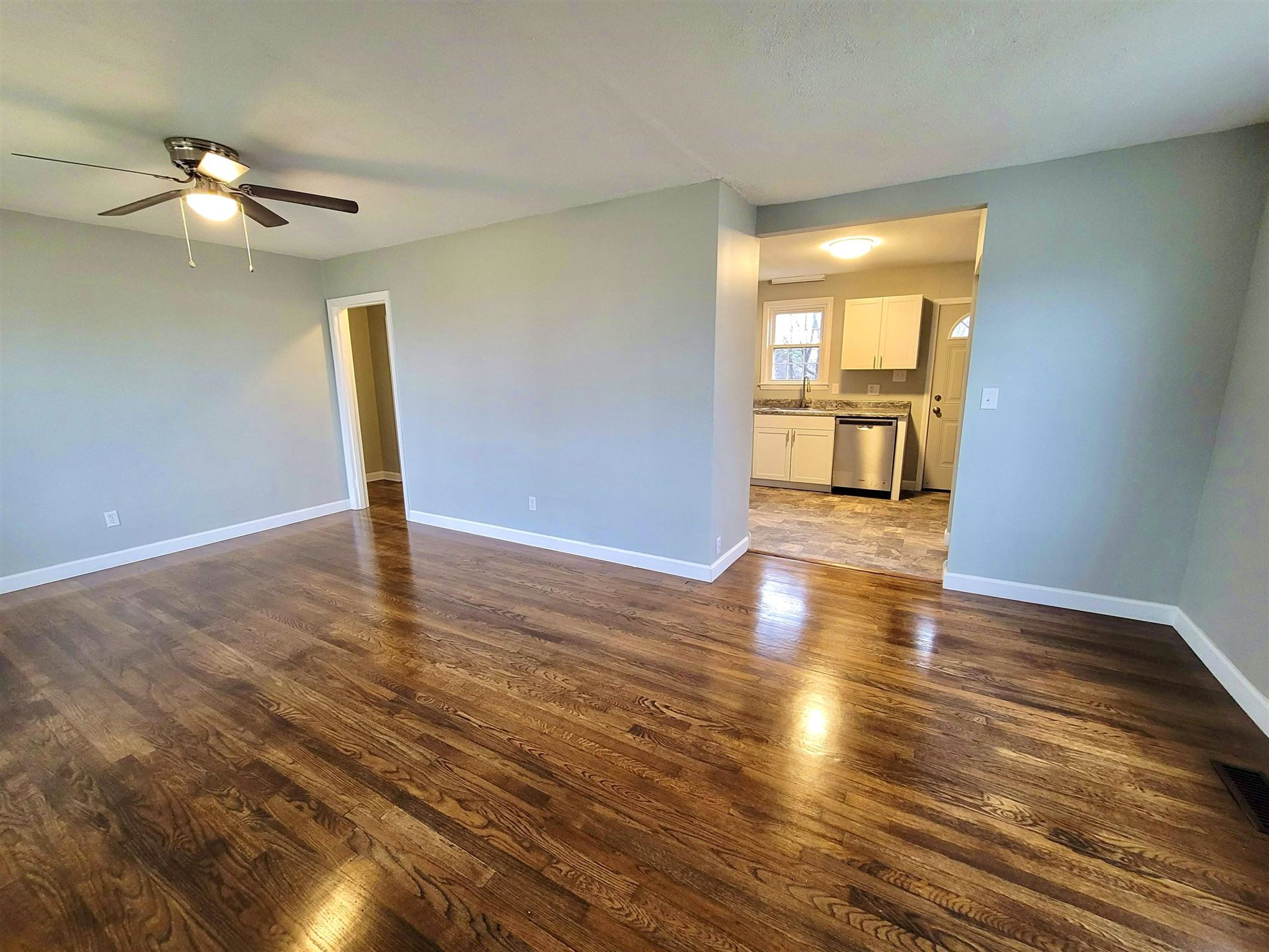 Photo of 1943 Fine Ave, Knoxville, TN 37917 (MLS # 1138385)