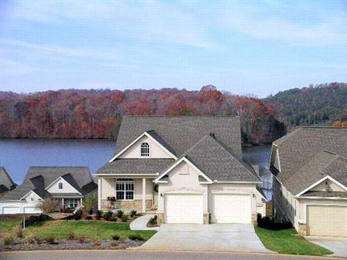 Photo of 1029 Rarity Bay Pkwy, Vonore, TN 37885 (MLS # 1125387)