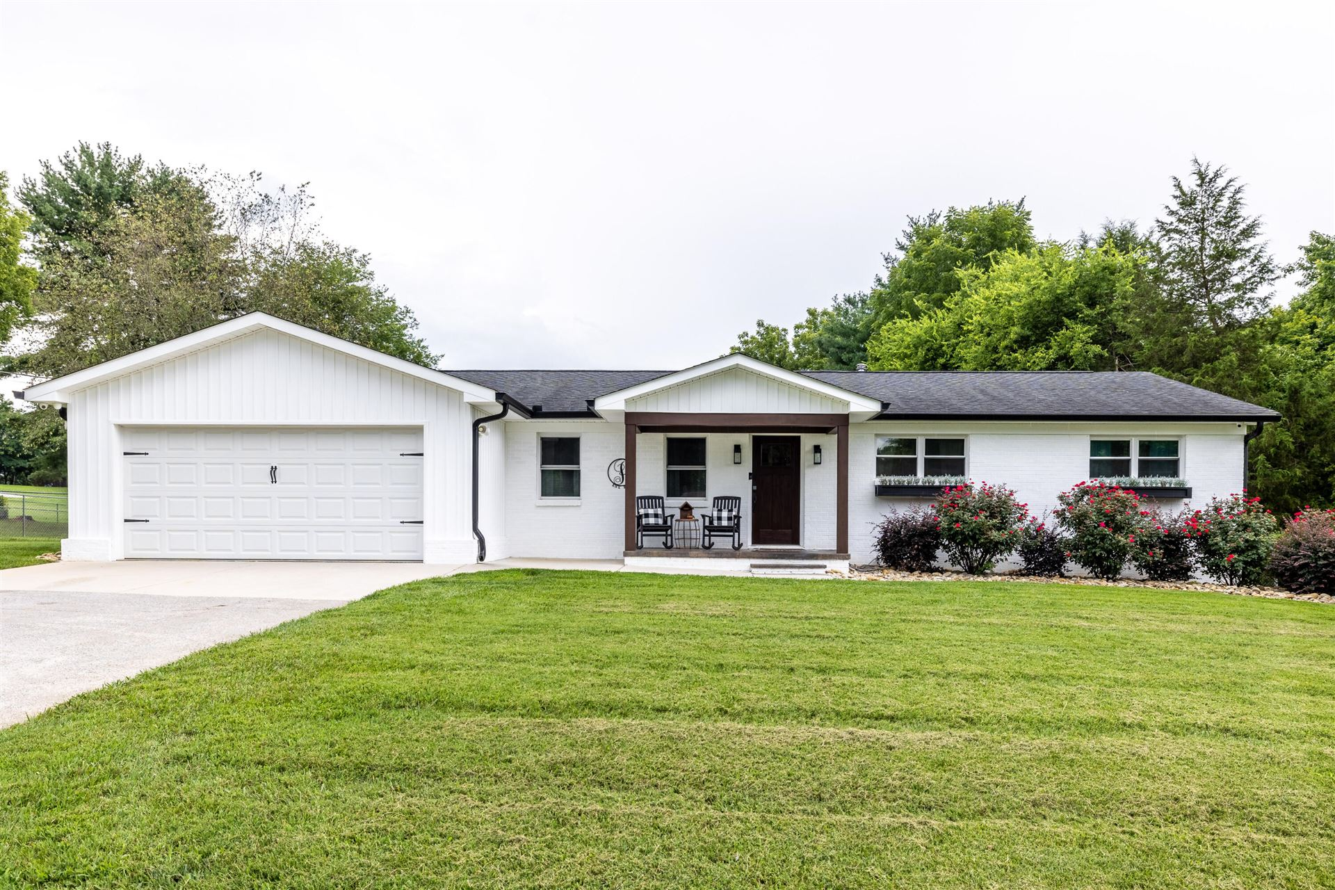 Photo of 907 Laurie St, Maryville, TN 37803 (MLS # 1161411)