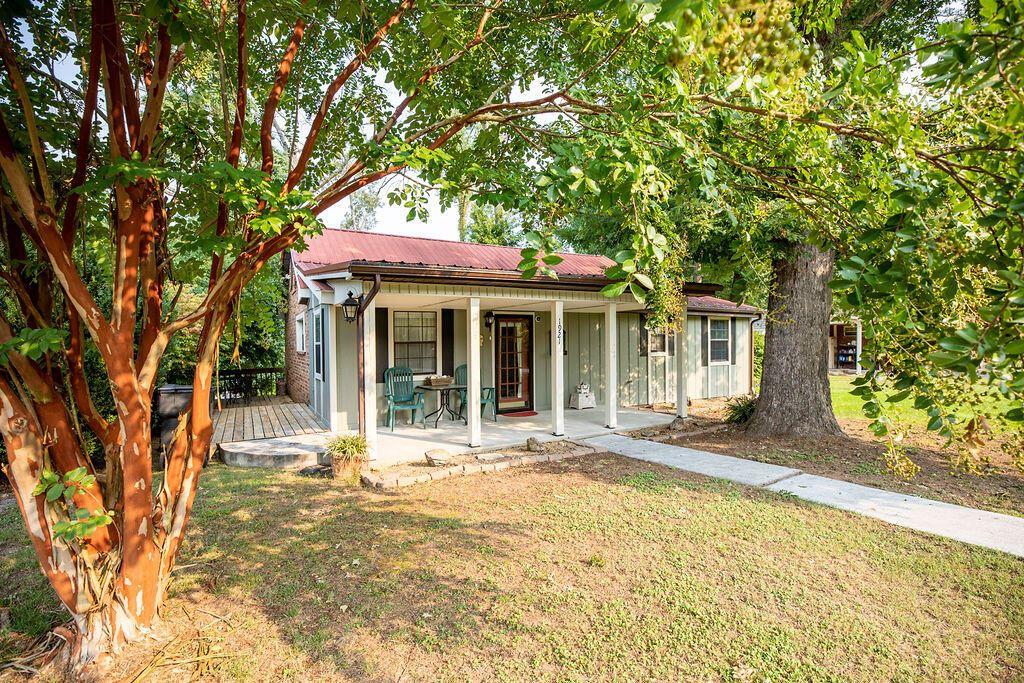 Photo of 1921 Hill Trail Drive, Morristown, TN 37814 (MLS # 1167415)