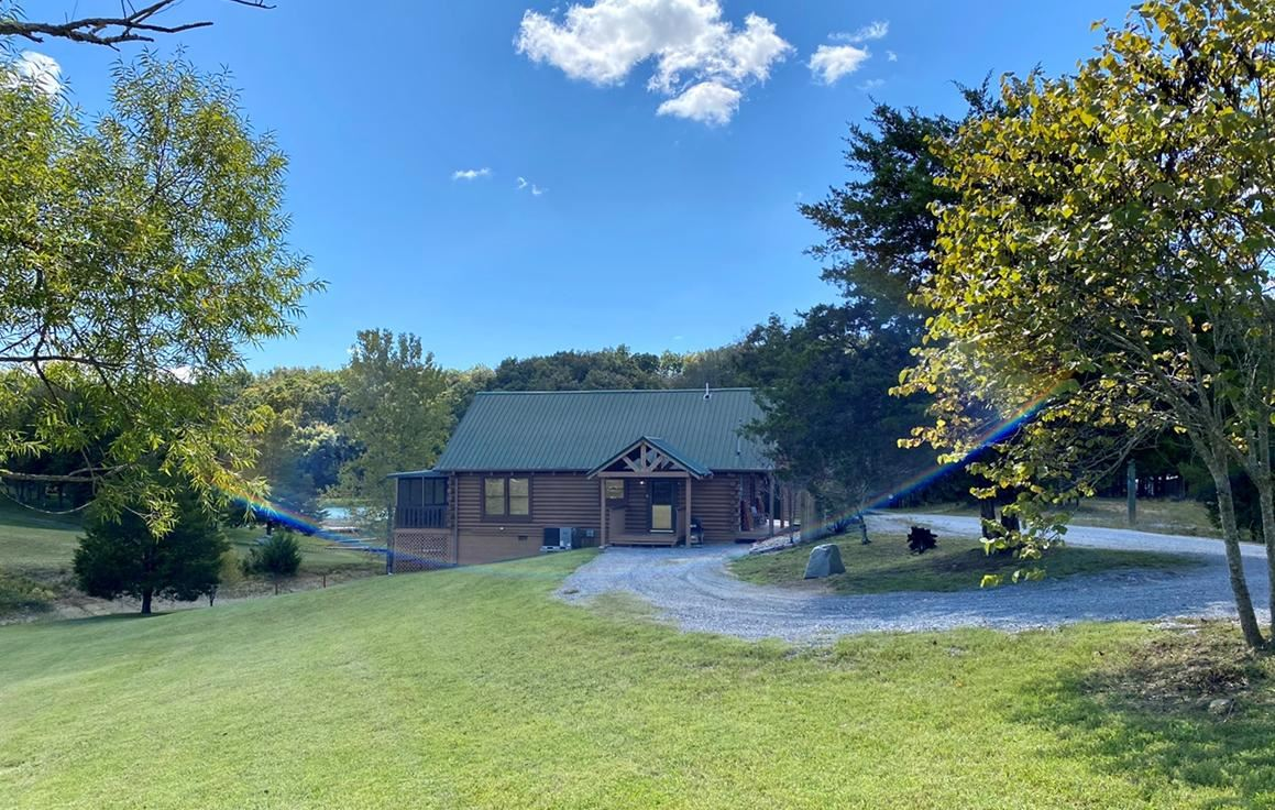Photo of 3004 Channel View Way, Sevierville, TN 37876 (MLS # 1132416)