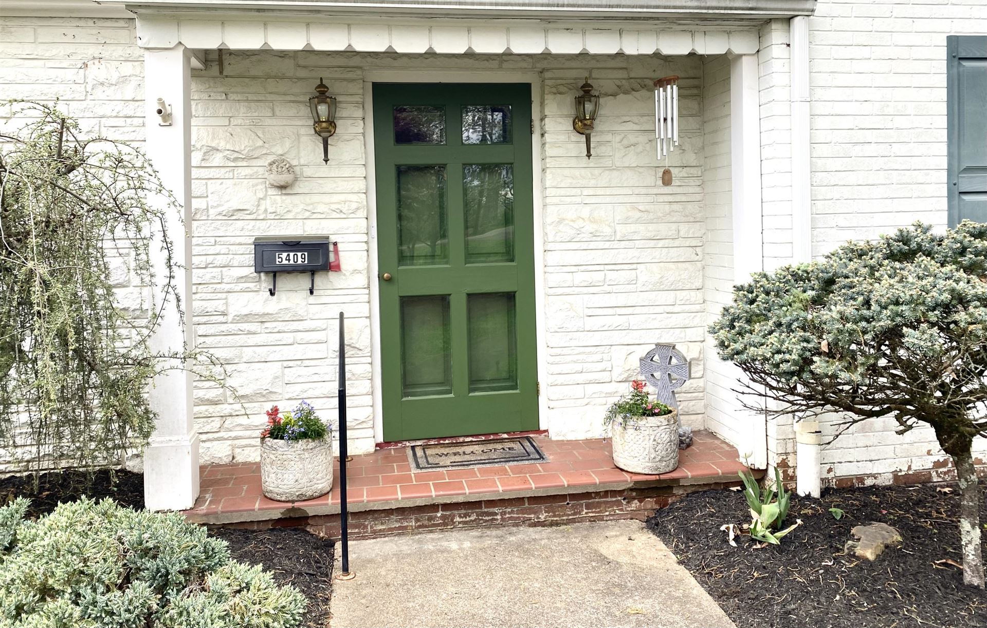 Photo of 5409 Crestwood Drive, Knoxville, TN 37914 (MLS # 1148418)