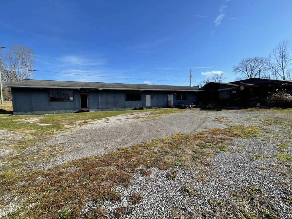 Photo of 415 Maryville Hwy, Seymour, TN 37865 (MLS # 1139425)
