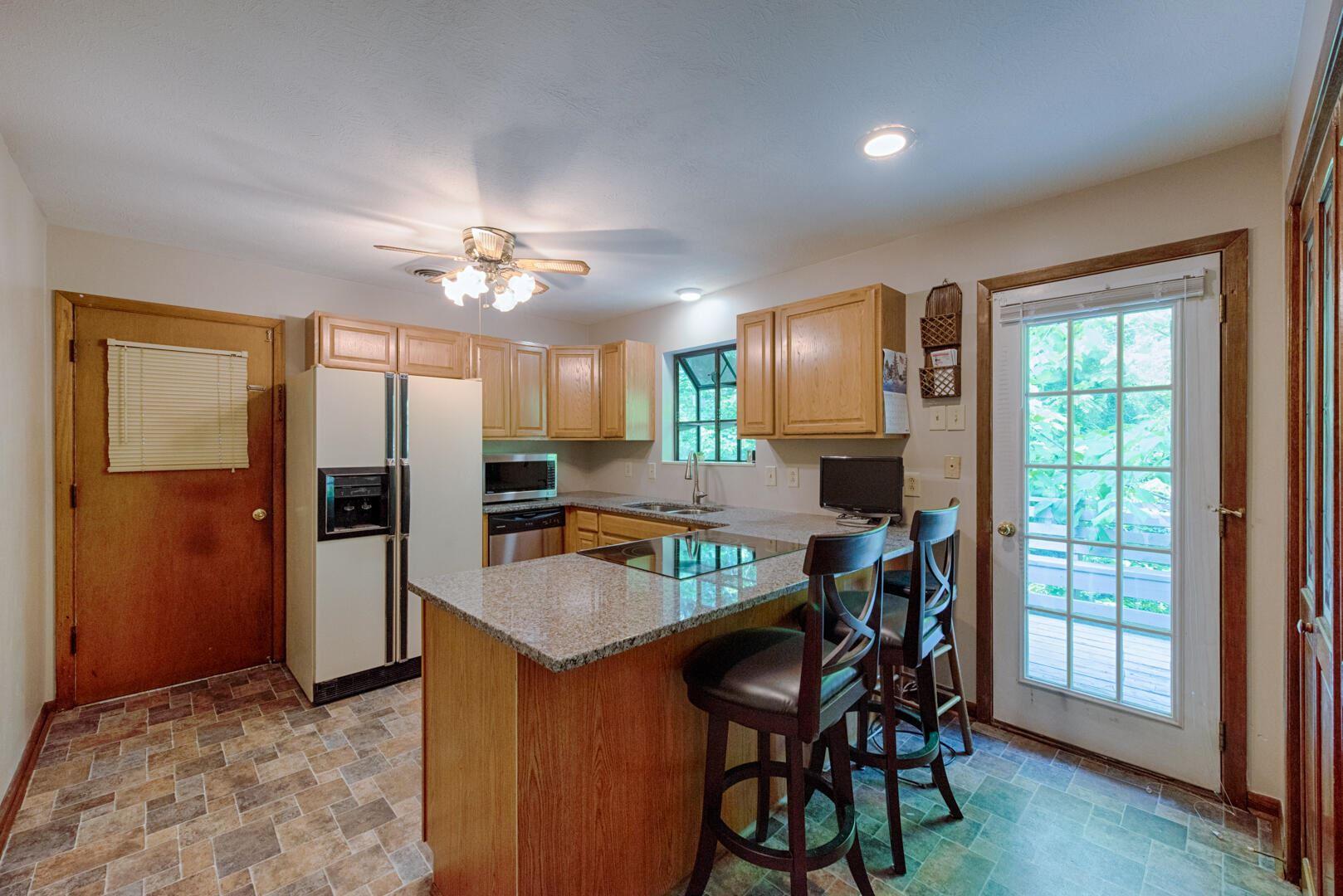 Photo of 119 Nebraska Ave, Oak Ridge, TN 37830 (MLS # 1156450)