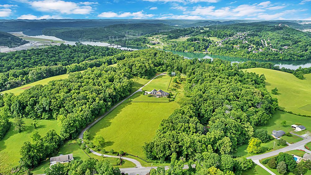 Photo of 551 Old Emory Rd, Clinton, TN 37716 (MLS # 1118458)