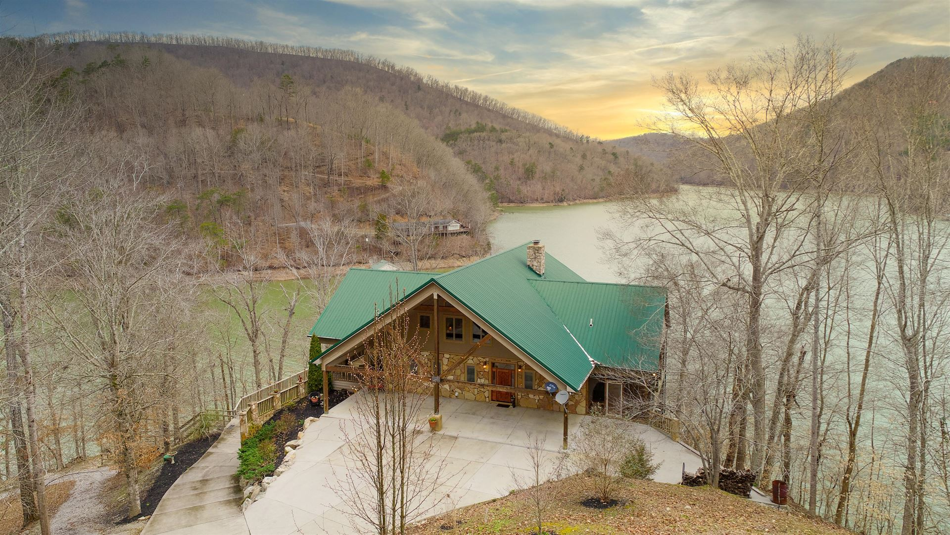 Photo for 287 Norris Point, Washburn, TN 37888 (MLS # 1110473)