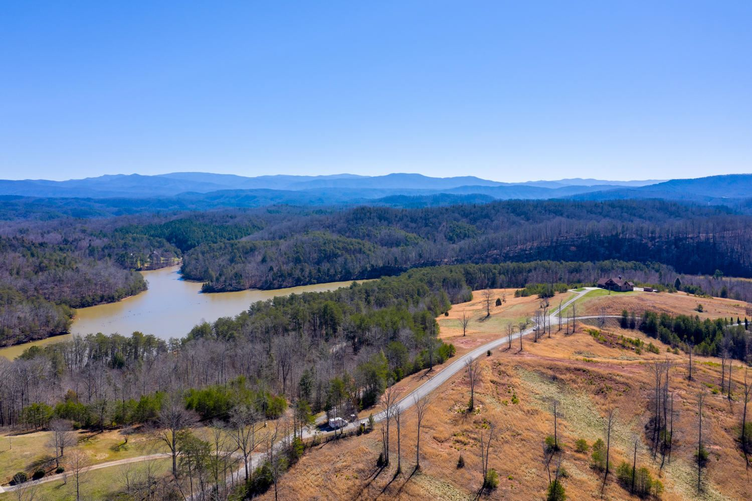 Photo for 117 Shiners Bluff Drive, Madisonville, TN 37354 (MLS # 1143477)