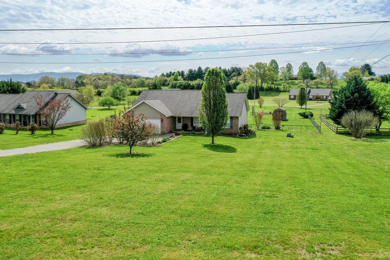 Photo of 6626 Howard School Rd, Maryville, TN 37801 (MLS # 1149478)