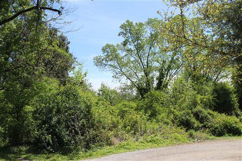 Photo of 226 Hillside Drive, LaFollette, TN 37766 (MLS # 1152481)