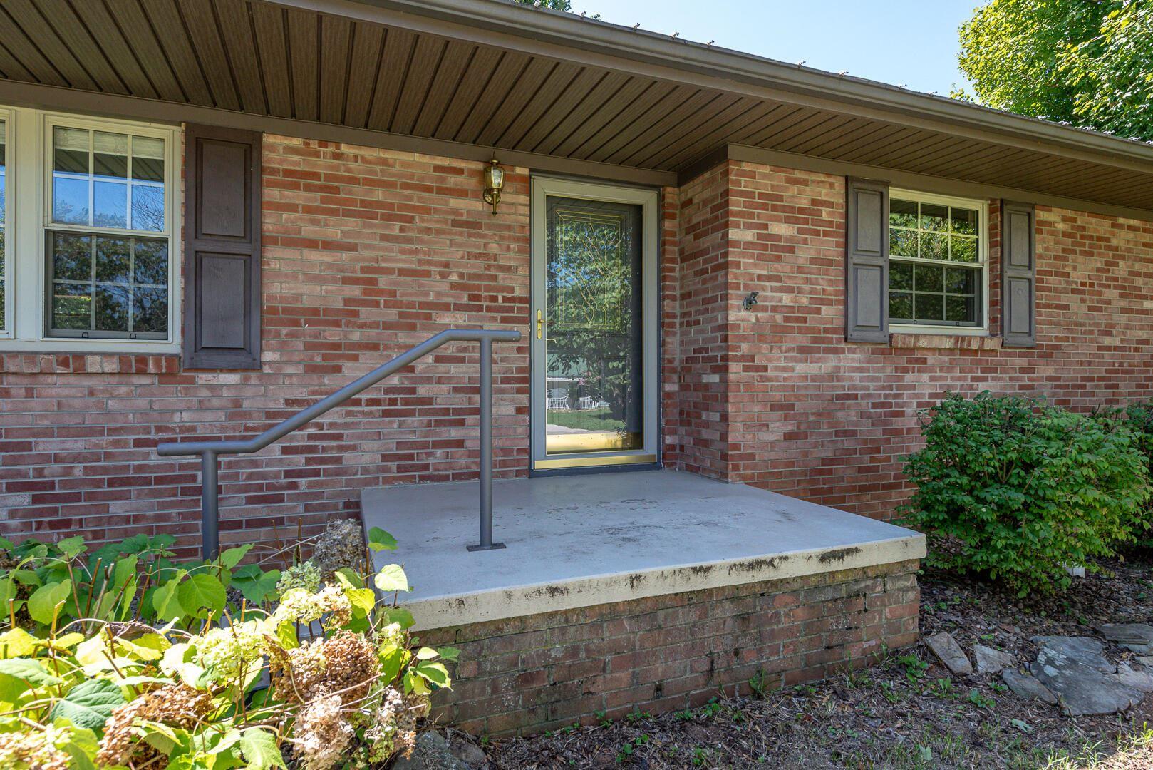 Photo of 103 Shawnee Drive, Maryville, TN 37804 (MLS # 1166485)