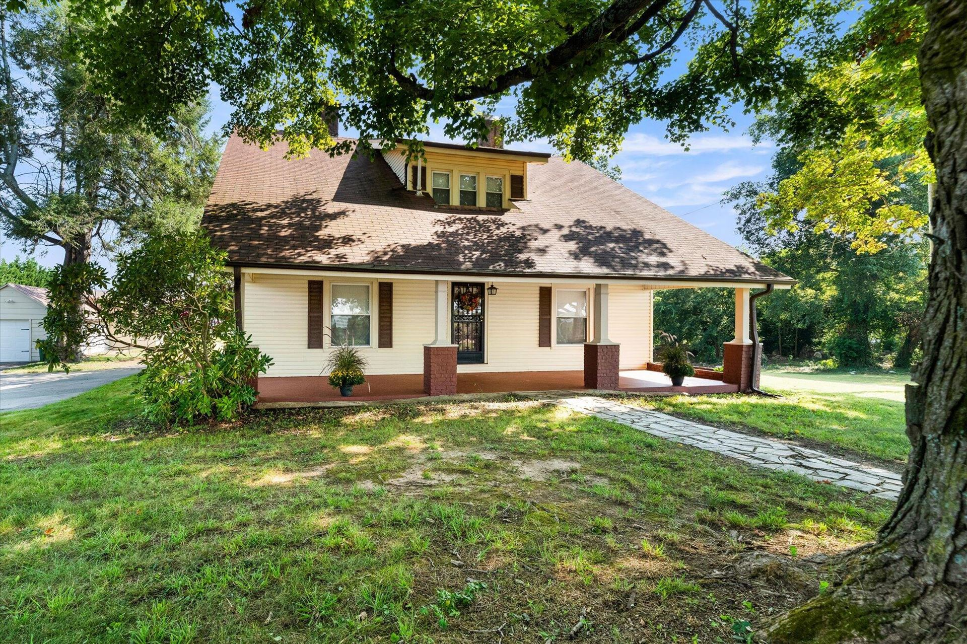 Photo of 4900 Murphy Rd, Knoxville, TN 37918 (MLS # 1168486)