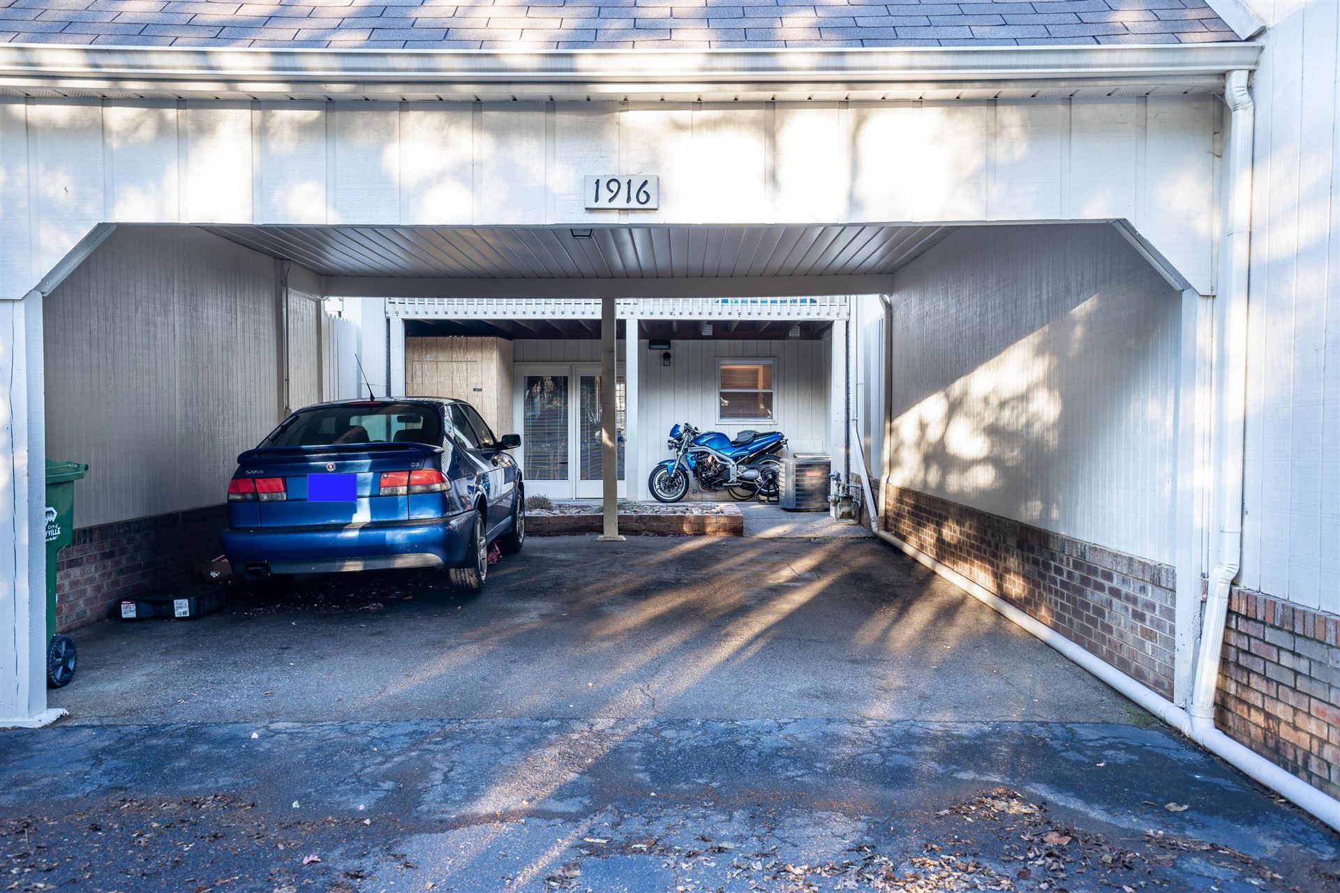 Photo of 1916 Sequoyah Ave, Maryville, TN 37804 (MLS # 1142489)