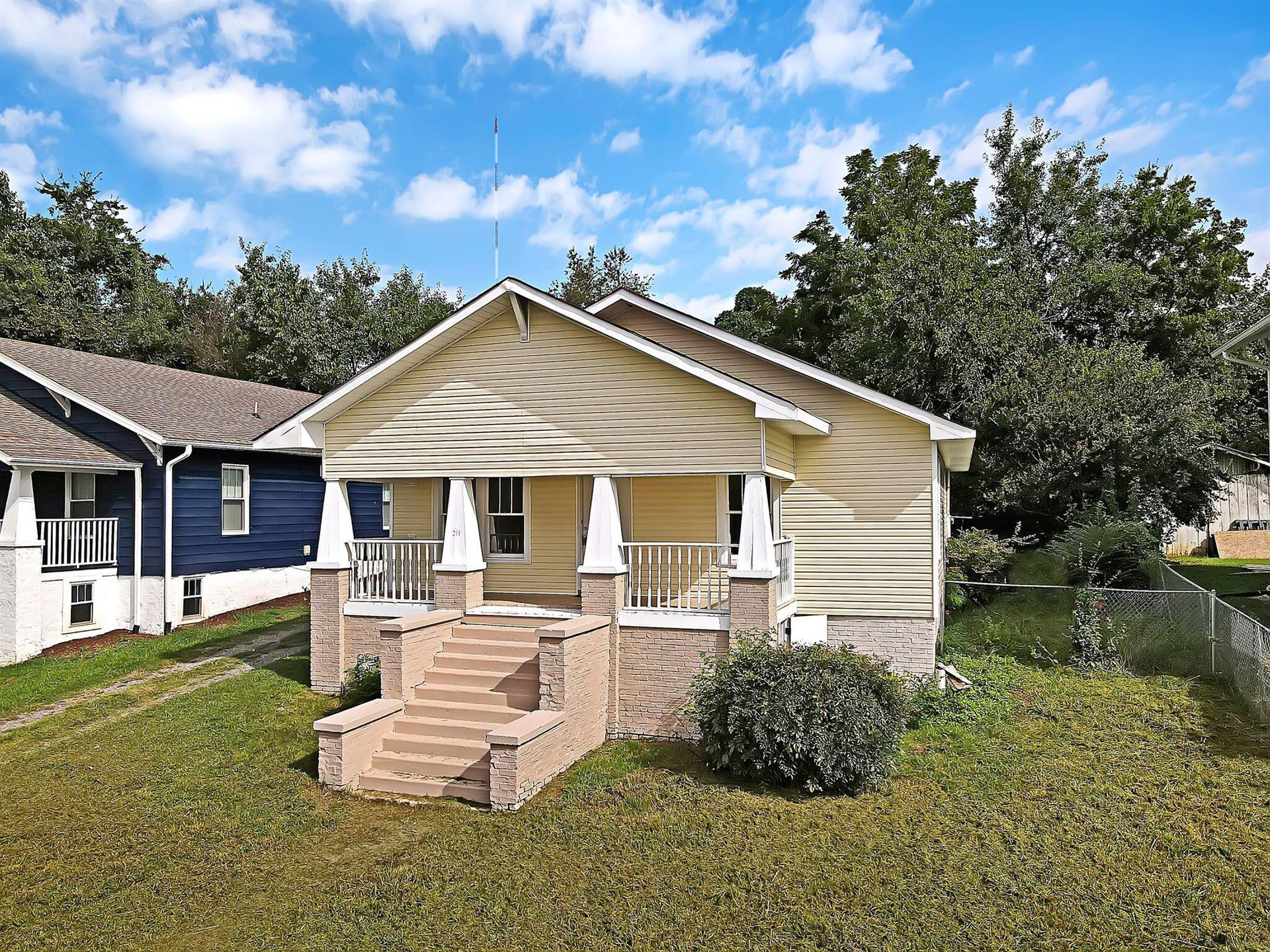 Photo of 1211 Hiawassee Ave, Knoxville, TN 37917 (MLS # 1164491)