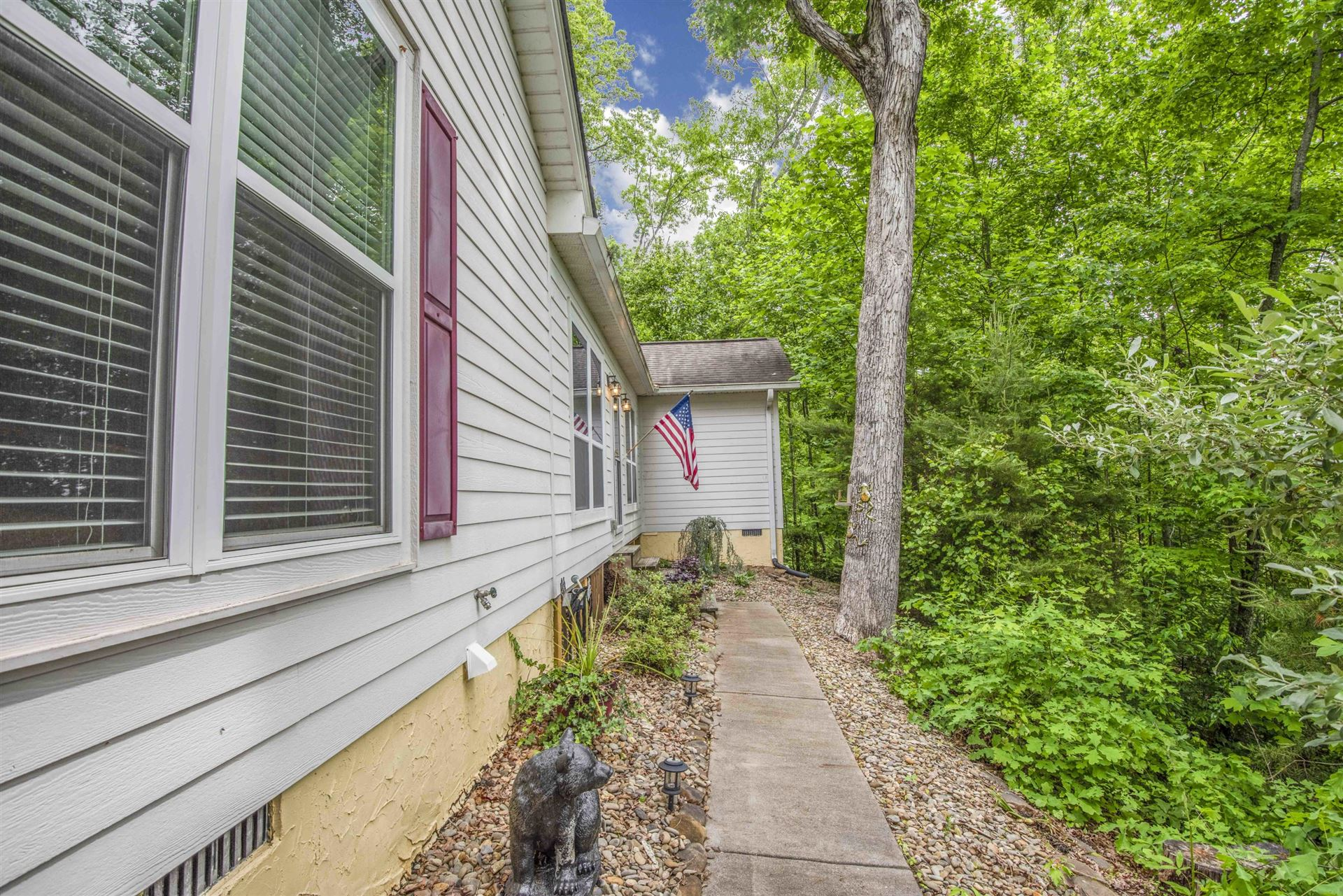 Photo of 811 Mountain Grove Lane, Seymour, TN 37865 (MLS # 1152498)