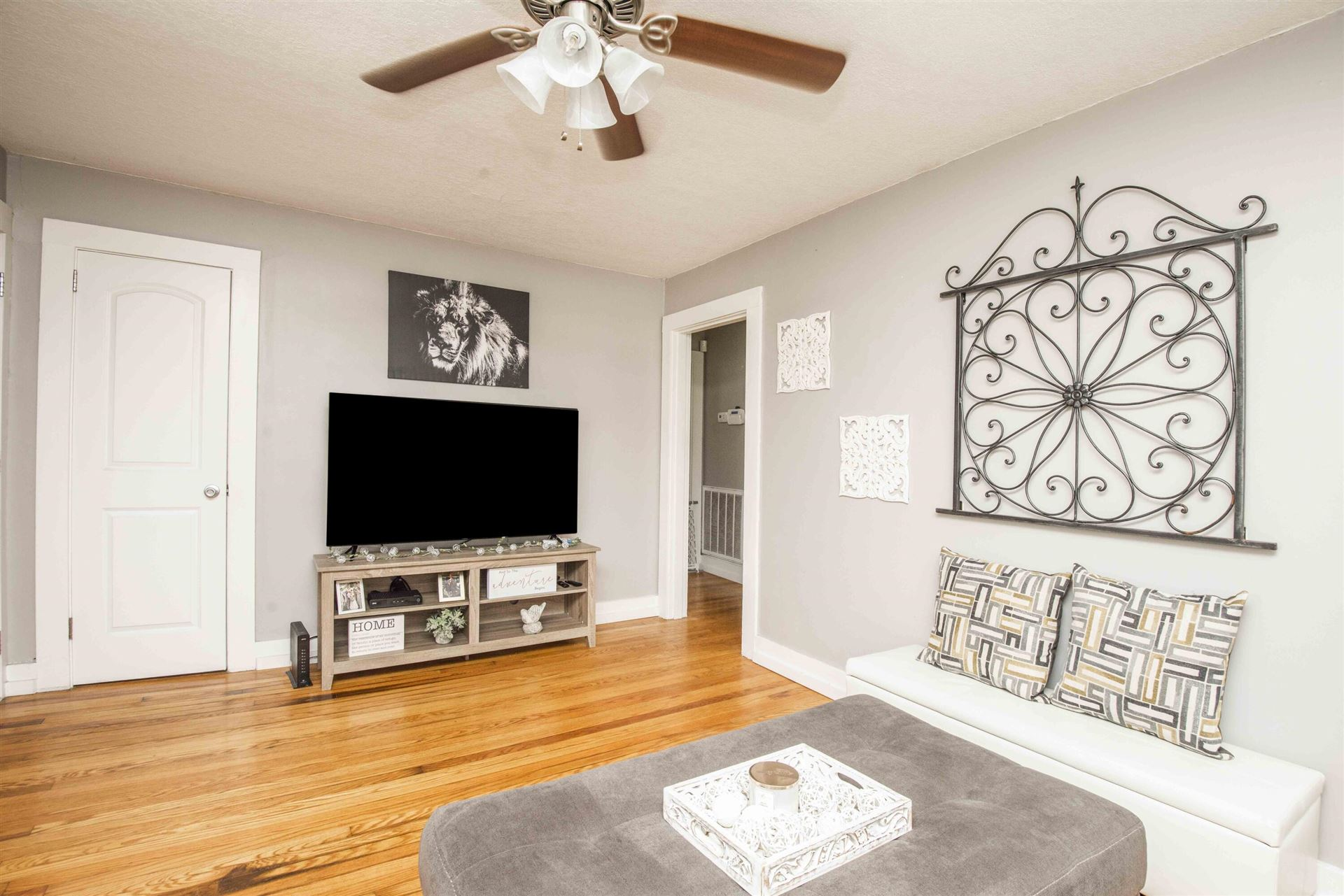 Photo of 2808 Edgewood Ave, Knoxville, TN 37917 (MLS # 1164504)