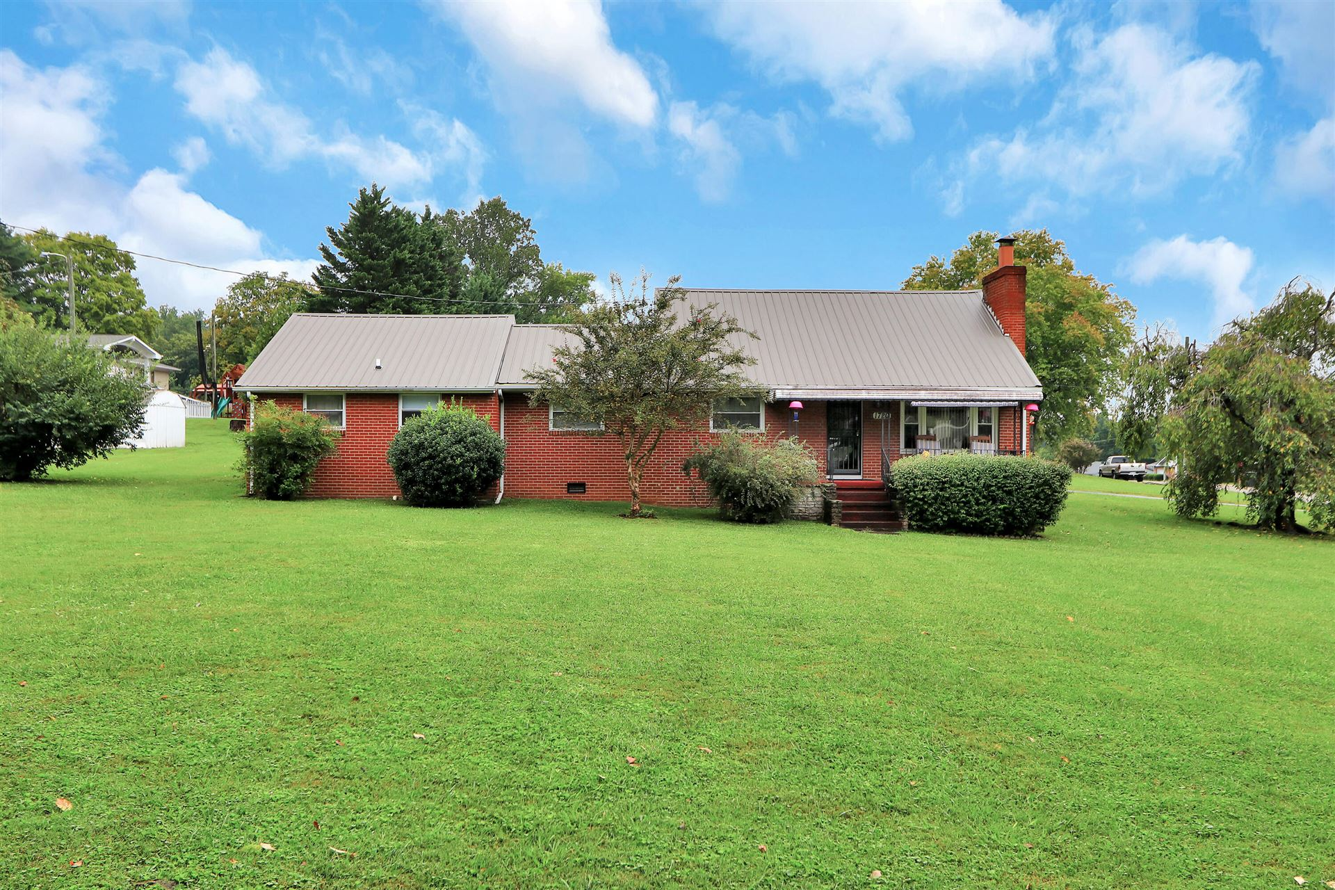 Photo of 1720 Ault Rd, Knoxville, TN 37914 (MLS # 1168512)