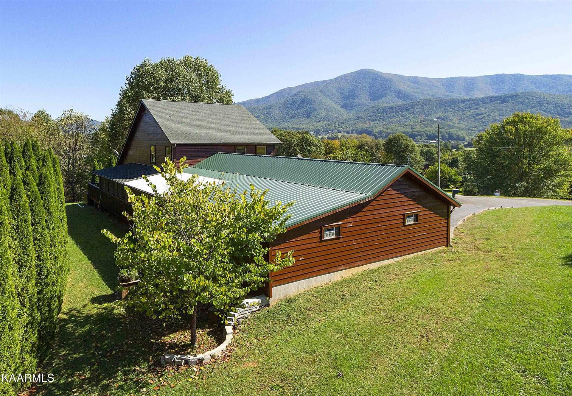 Photo of 3150 Westover Drive, Sevierville, TN 37862 (MLS # 1171522)