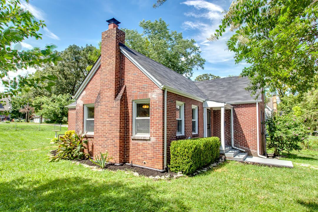 Photo of 2705 Woodbine Ave, Knoxville, TN 37914 (MLS # 1168525)
