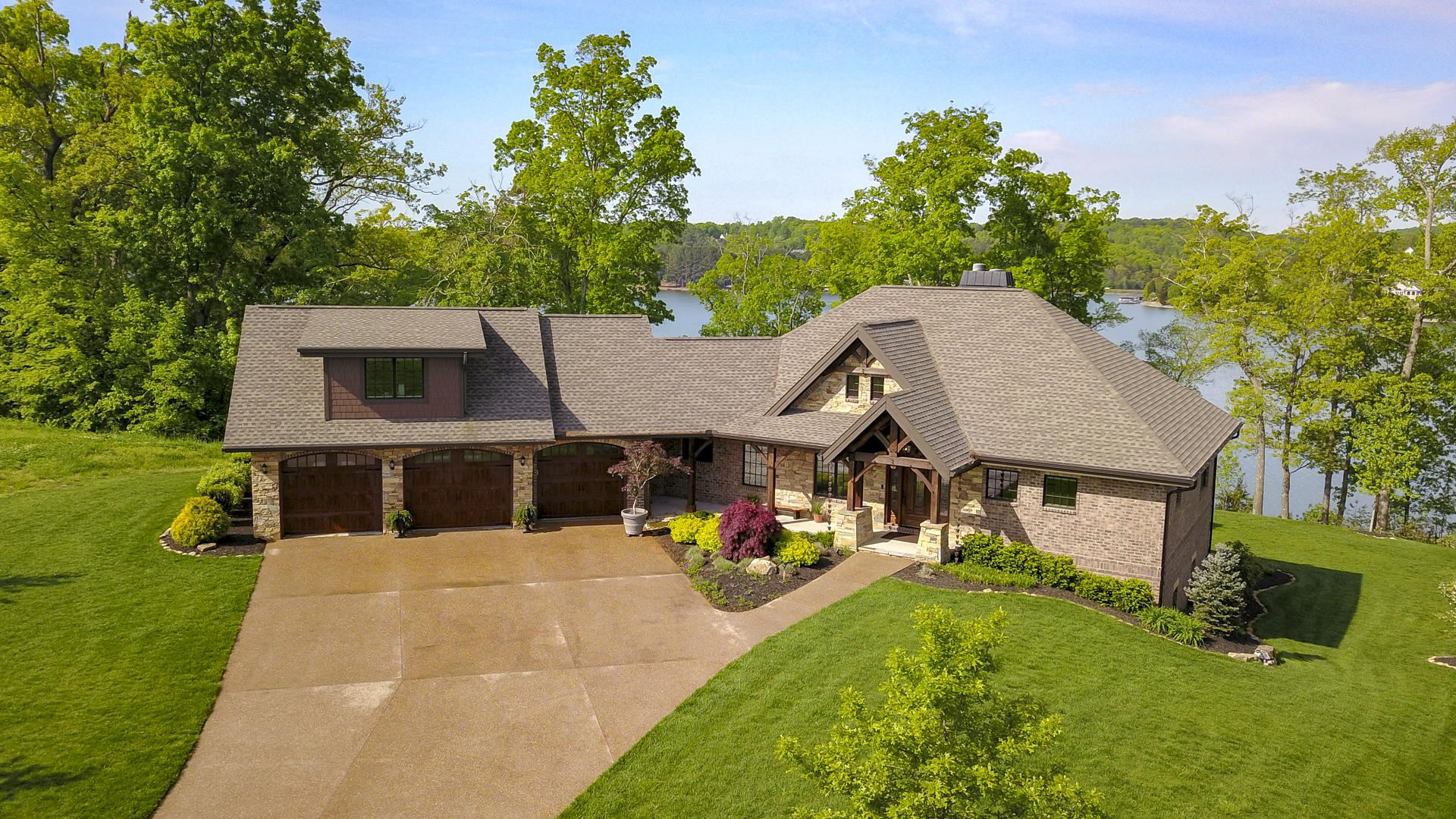 Photo of 522 Shadow Hill Drive, Lenoir City, TN 37772 (MLS # 1131526)