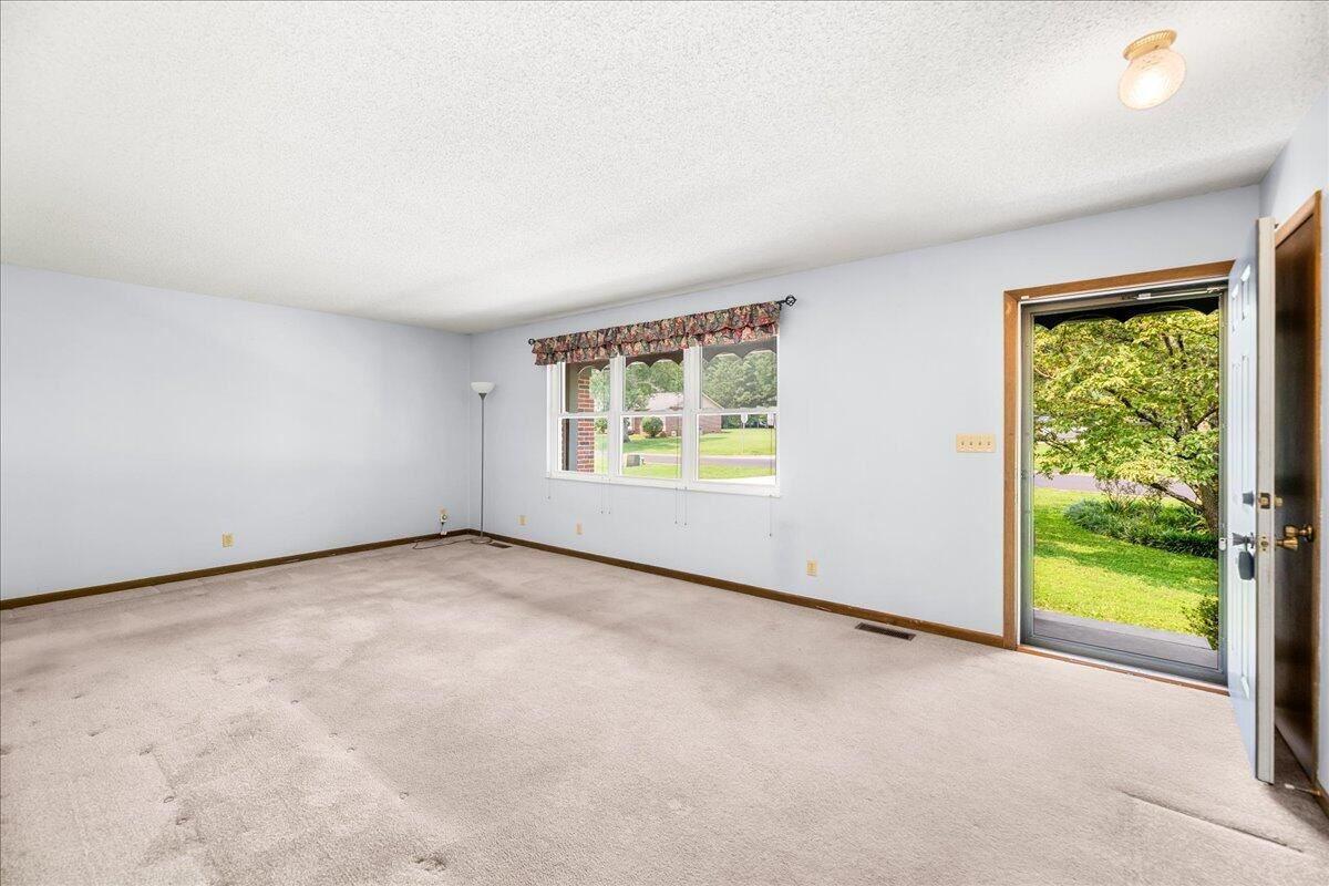 Photo of 103 Tempura Drive, Oak Ridge, TN 37830 (MLS # 1161527)