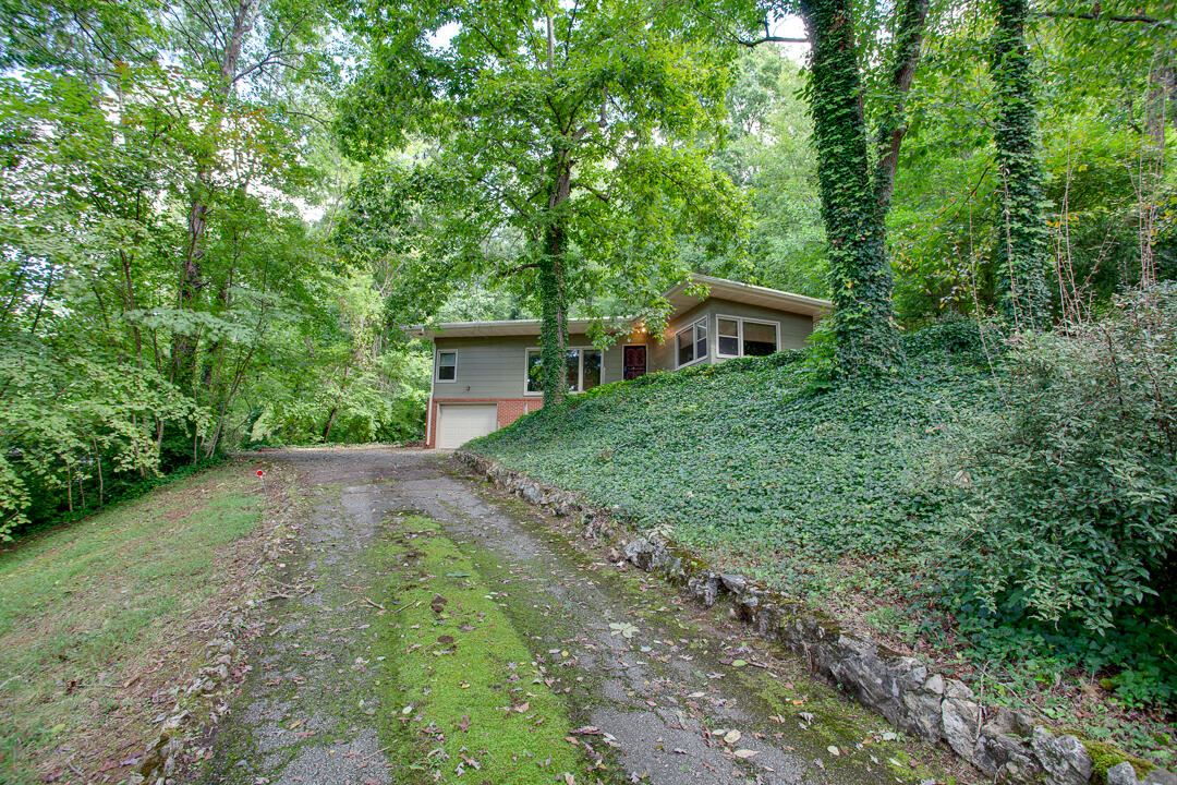 Photo of 4605 Westover Terrace, Knoxville, TN 37914 (MLS # 1168538)