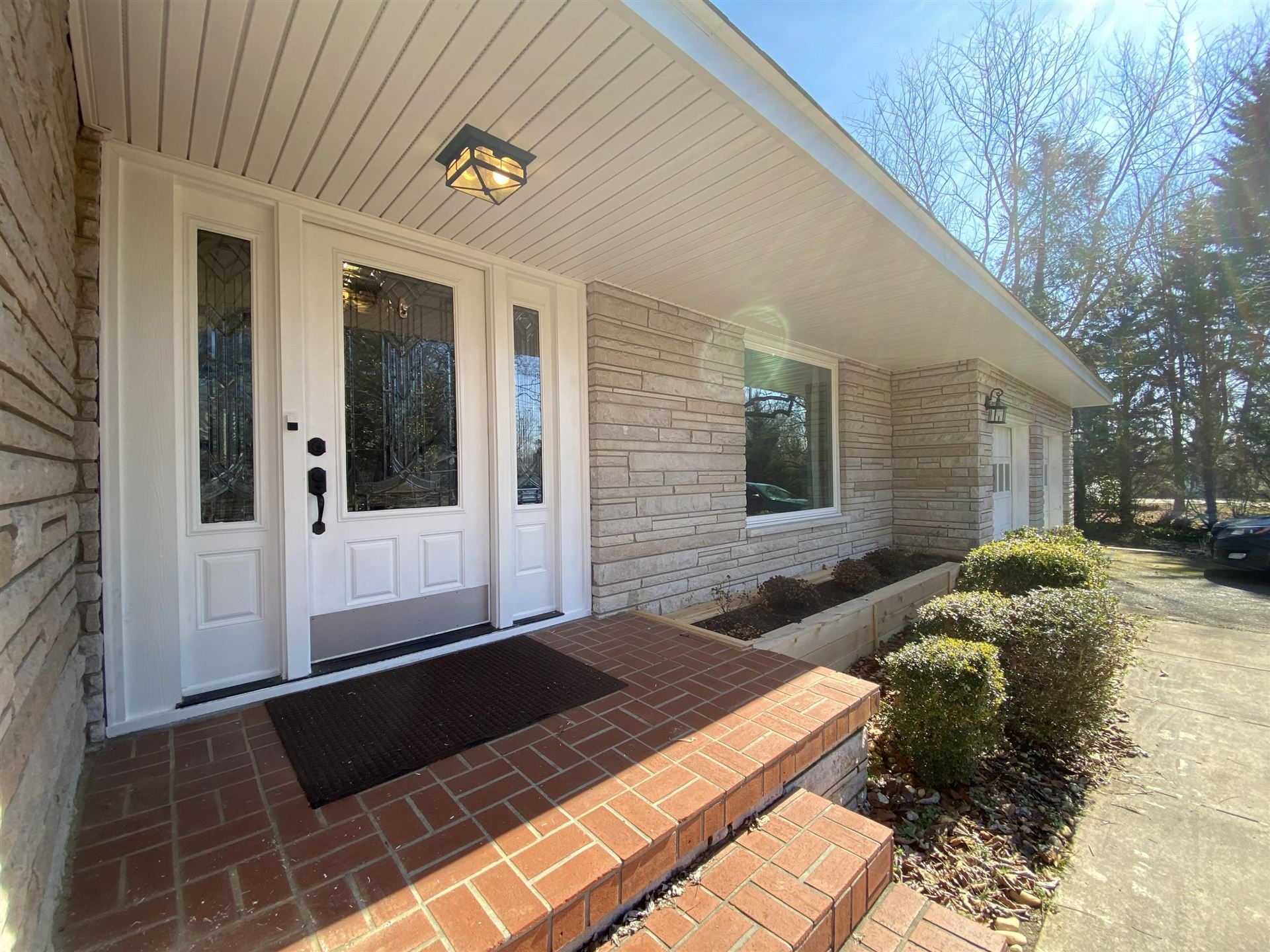 Photo of 103 Orchard Circle, Oak Ridge, TN 37830 (MLS # 1143540)