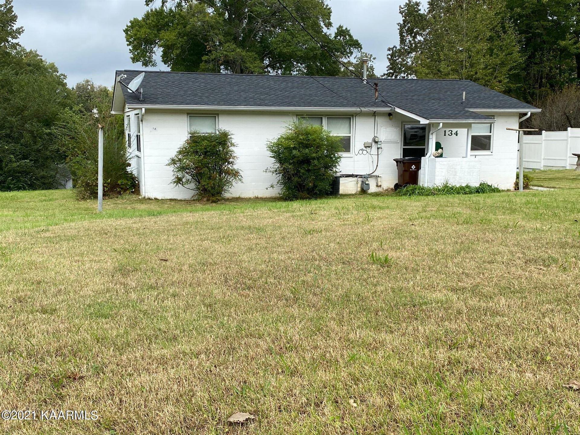 Photo of 134 W Gettysburg Ave, Oak Ridge, TN 37830 (MLS # 1170543)