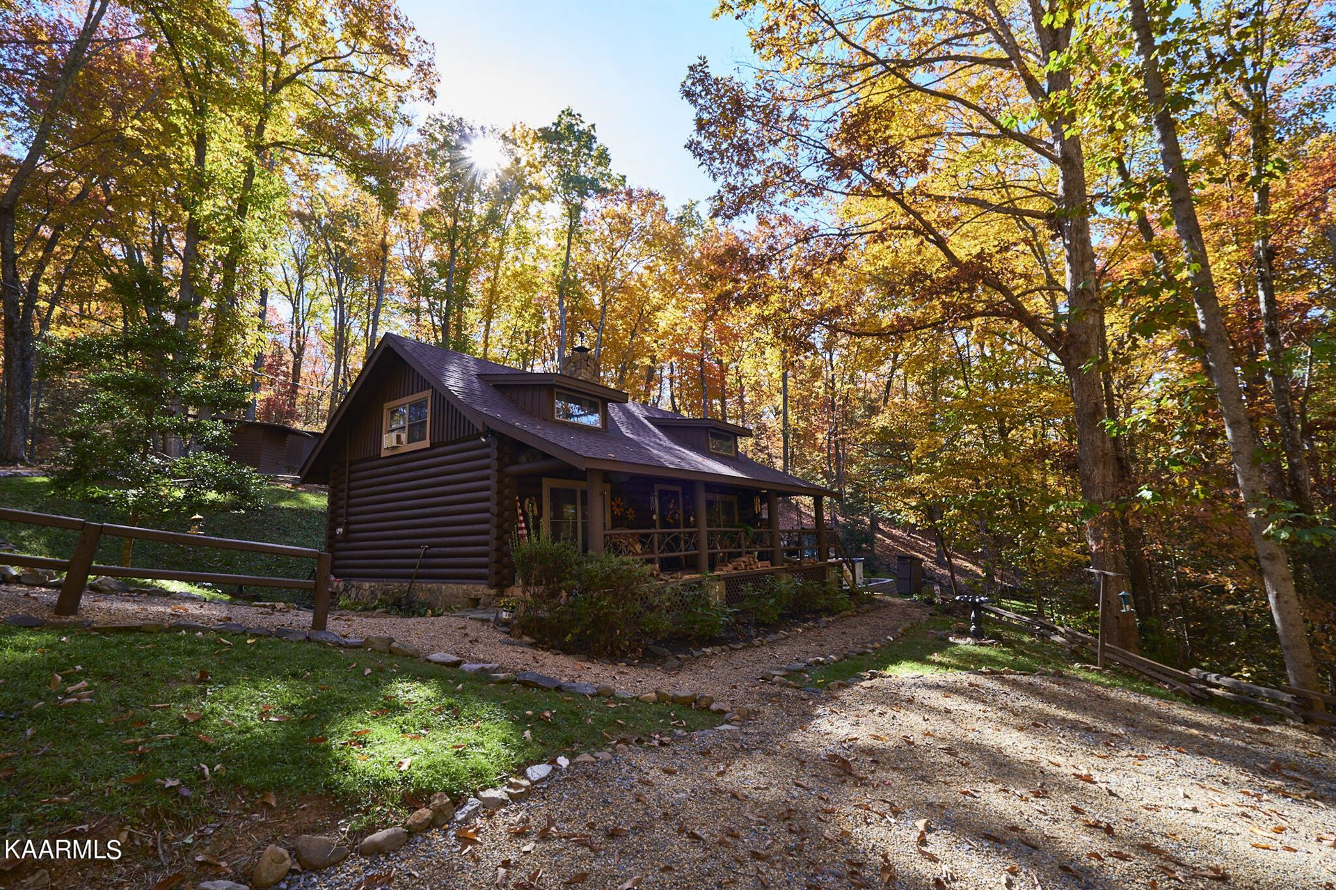 Photo of 4336 Lakeshore Ave, Sevierville, TN 37876 (MLS # 1165544)