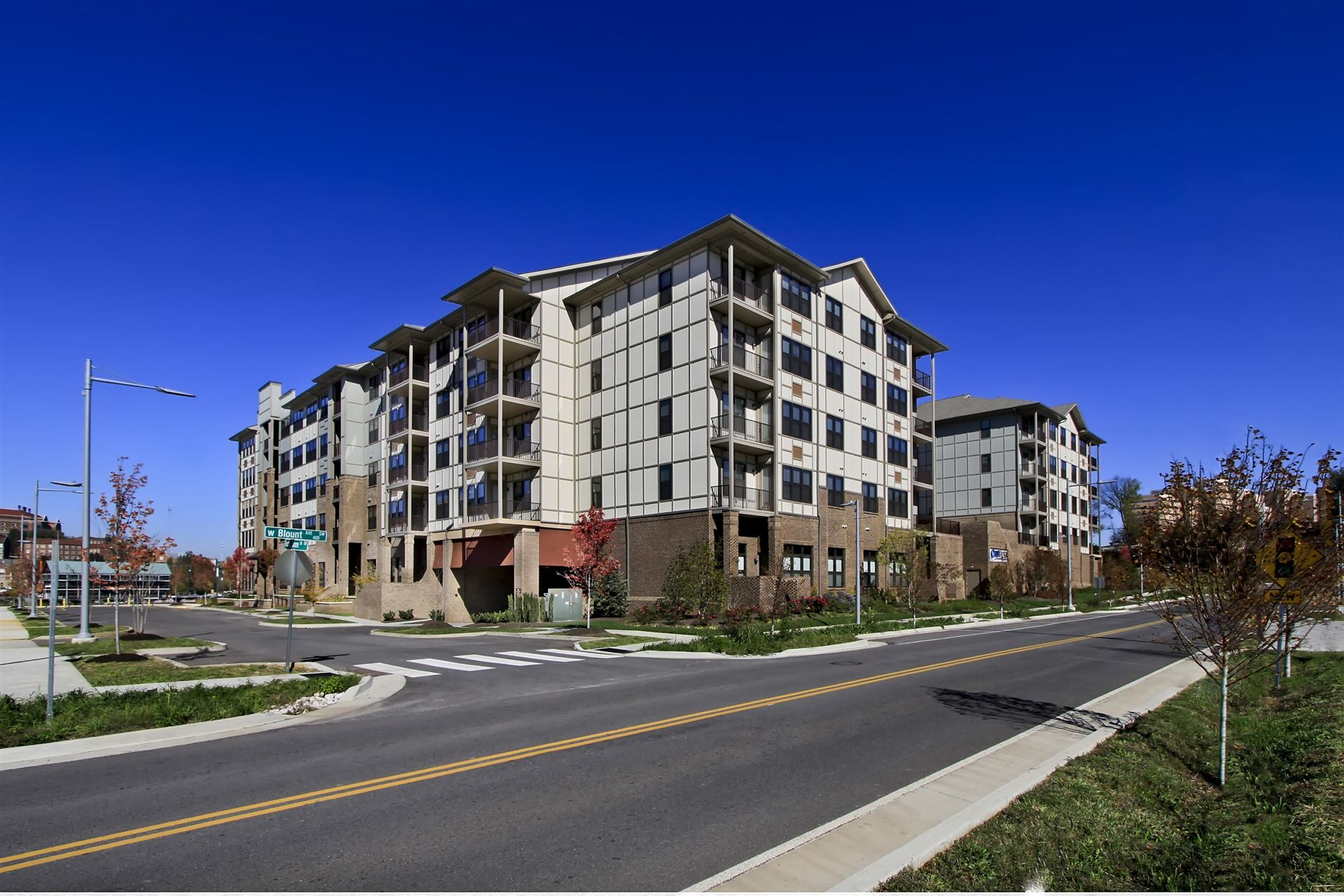 Photo for 445 W Blount Ave #APT 526, Knoxville, TN 37920 (MLS # 1130553)