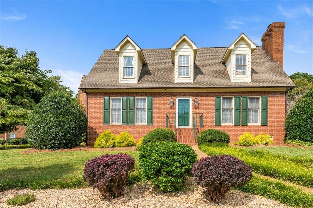Photo of 220 Hampton Court Court, Knoxville, TN 37922 (MLS # 1162563)