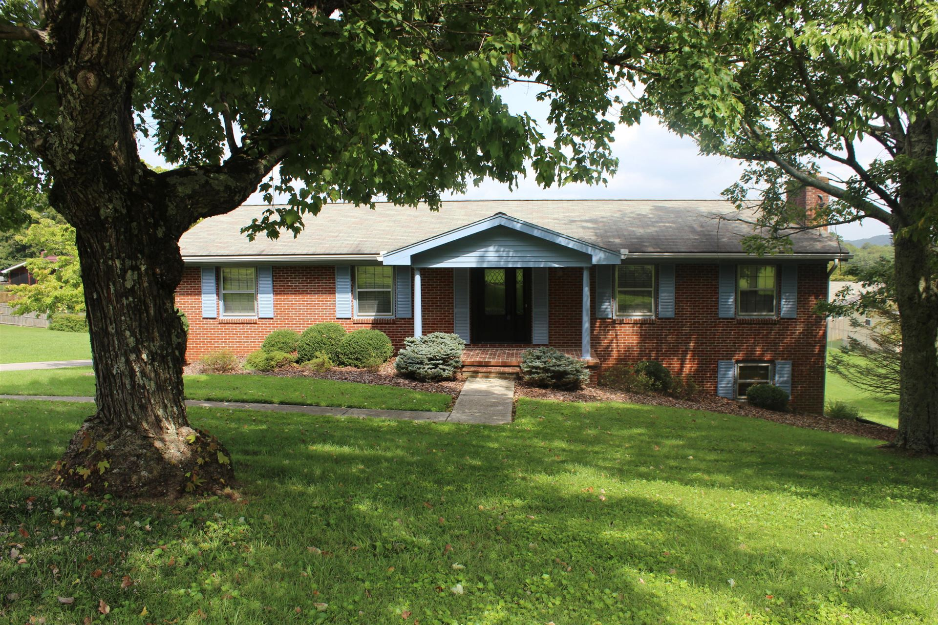 Photo of 8224 Spruceland Rd, Powell, TN 37849 (MLS # 1128590)