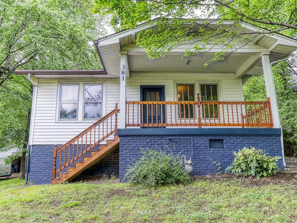 Photo of 381 Hiawassee Ave, Knoxville, TN 37917 (MLS # 1152608)