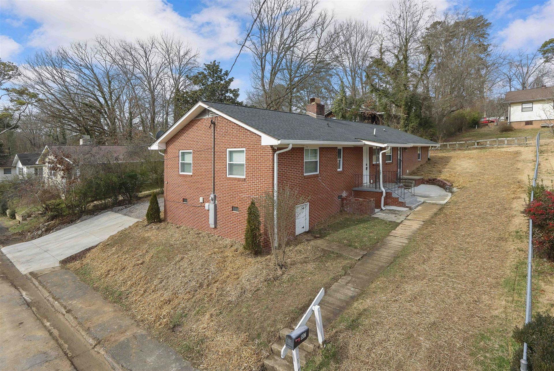 Photo of 107 Tucker Rd, Oak Ridge, TN 37830 (MLS # 1139610)