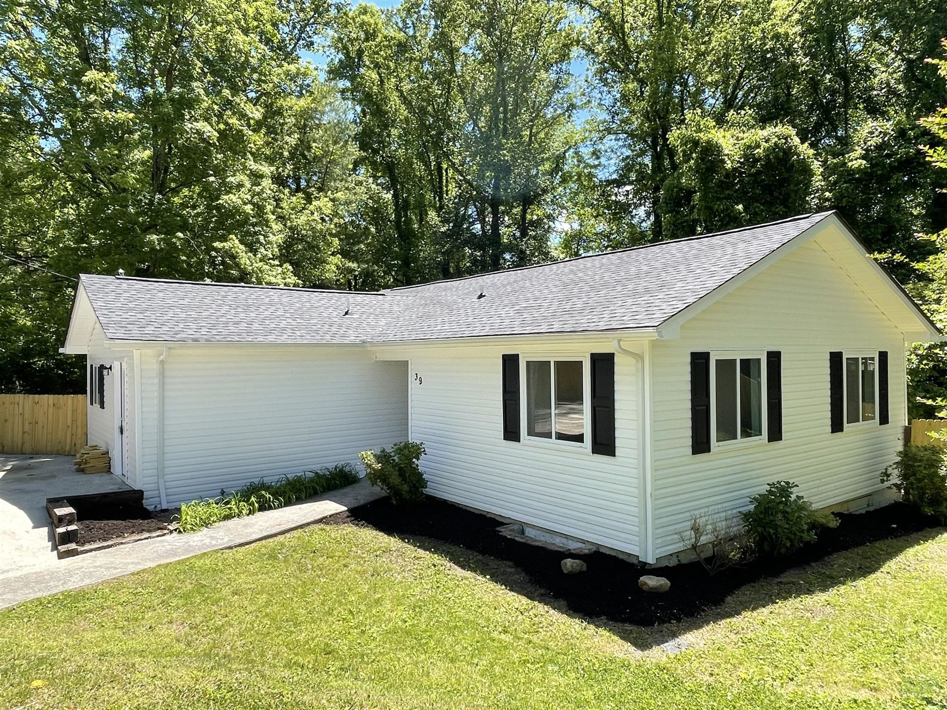 Photo of 39 Outer Drive, Oak Ridge, TN 37830 (MLS # 1152629)