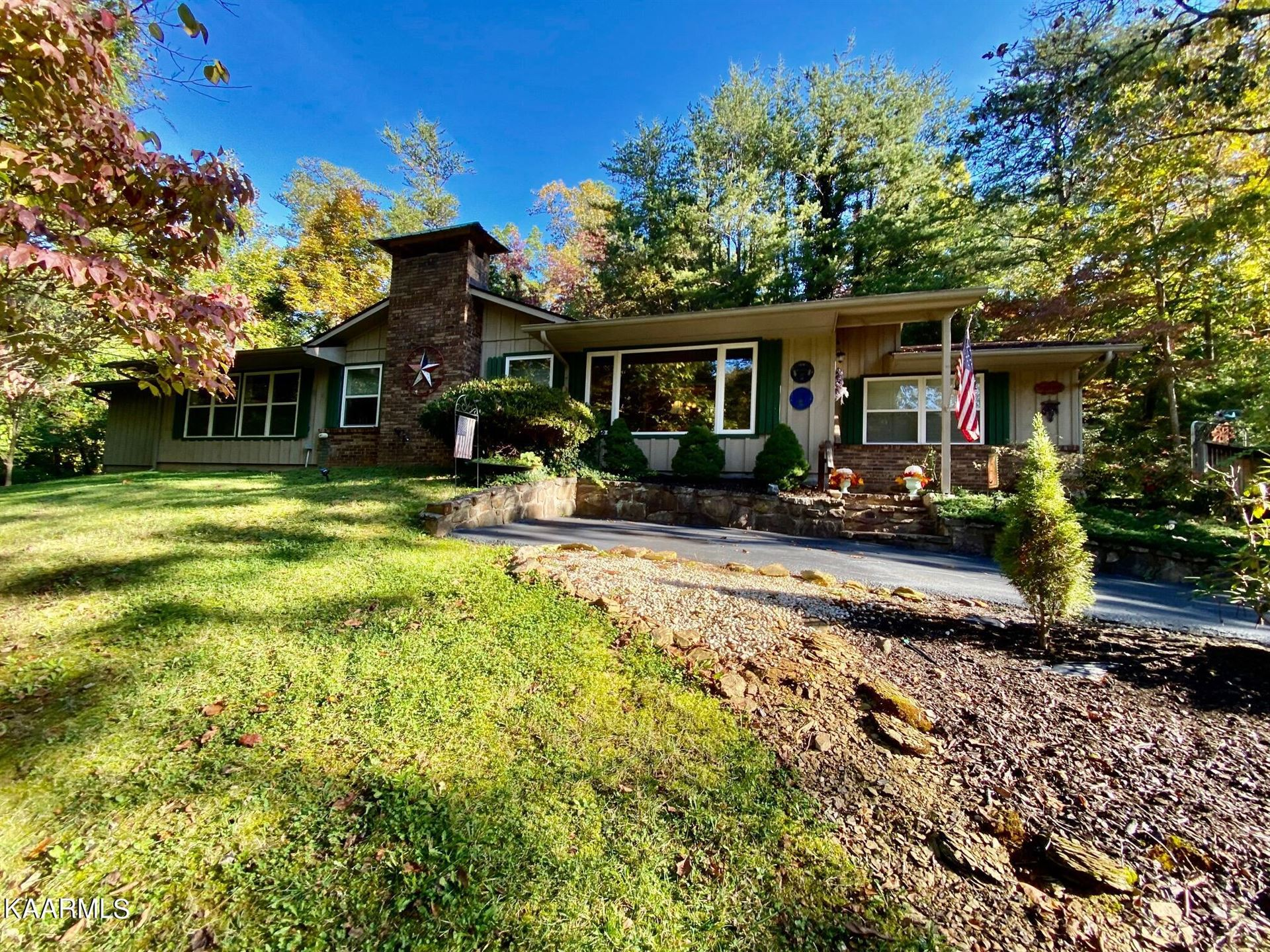 Photo of 450 Lakeshore Drive, Sevierville, TN 37876 (MLS # 1171632)