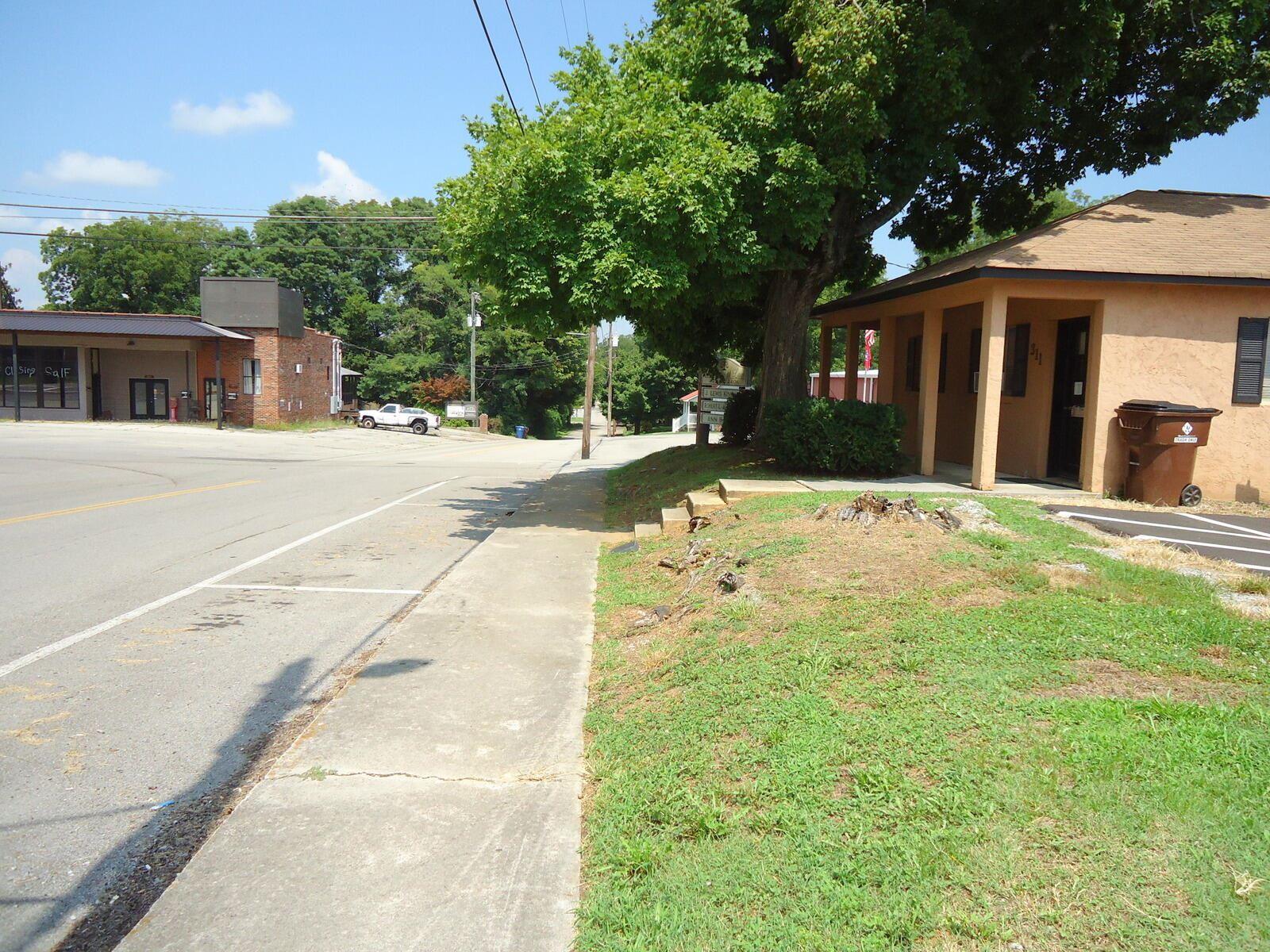 Photo of 311 N Tellico St, Madisonville, TN 37354 (MLS # 1165645)