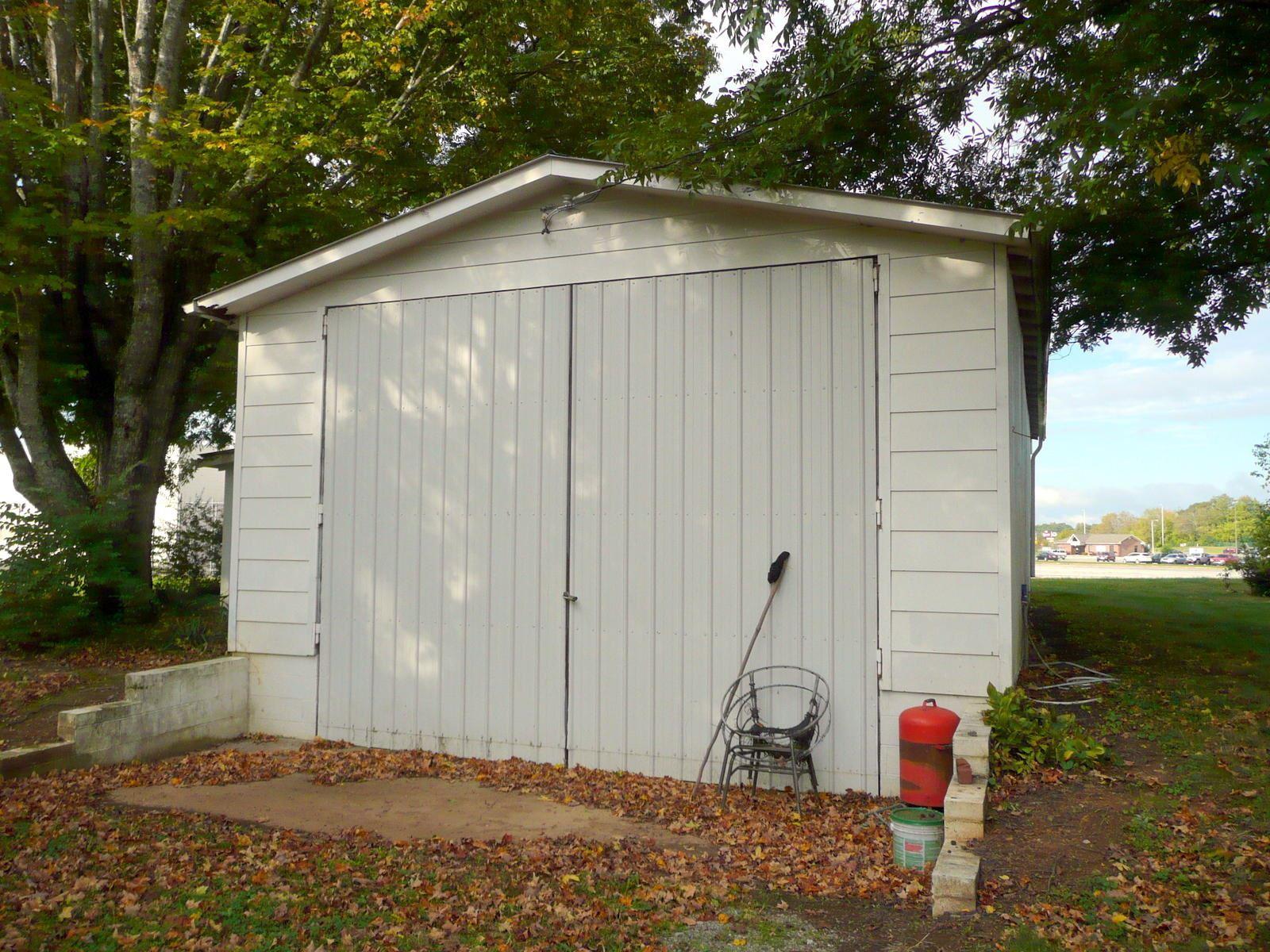 Photo of 920 S Tellico St, Madisonville, TN 37354 (MLS # 1133655)