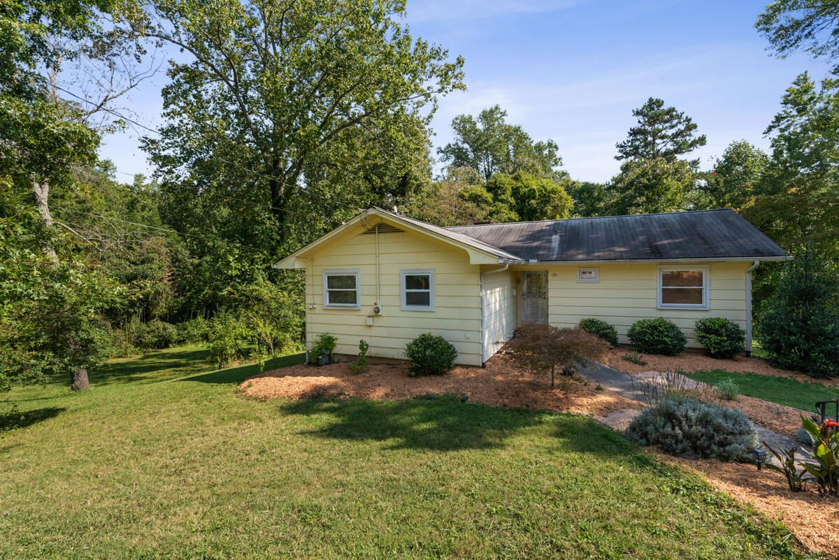 Photo of 175 Outer Drive, Oak Ridge, TN 37830 (MLS # 1167659)