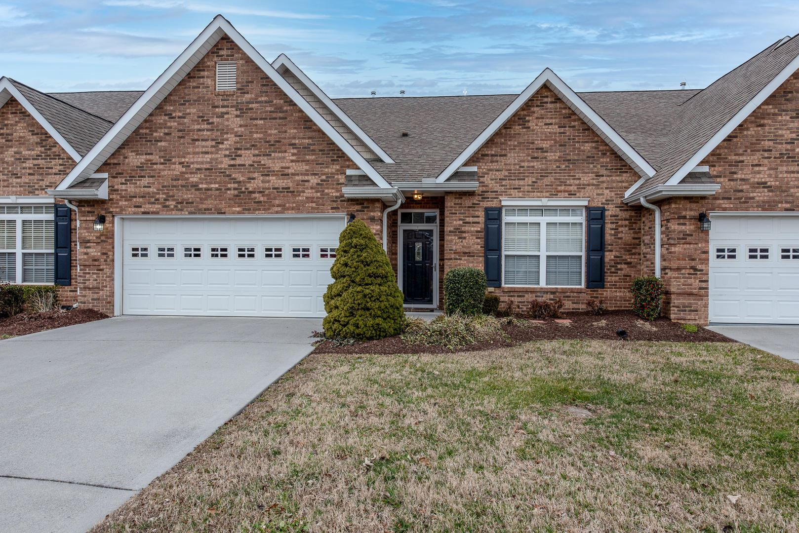 Photo of 124 River Garden Court, Sevierville, TN 37862 (MLS # 1140663)