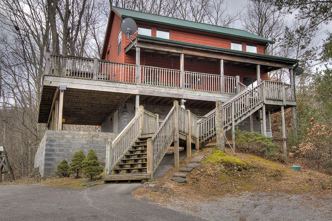 Photo of 2411 Misty Shadows Drive, Sevierville, TN 37862 (MLS # 1140673)